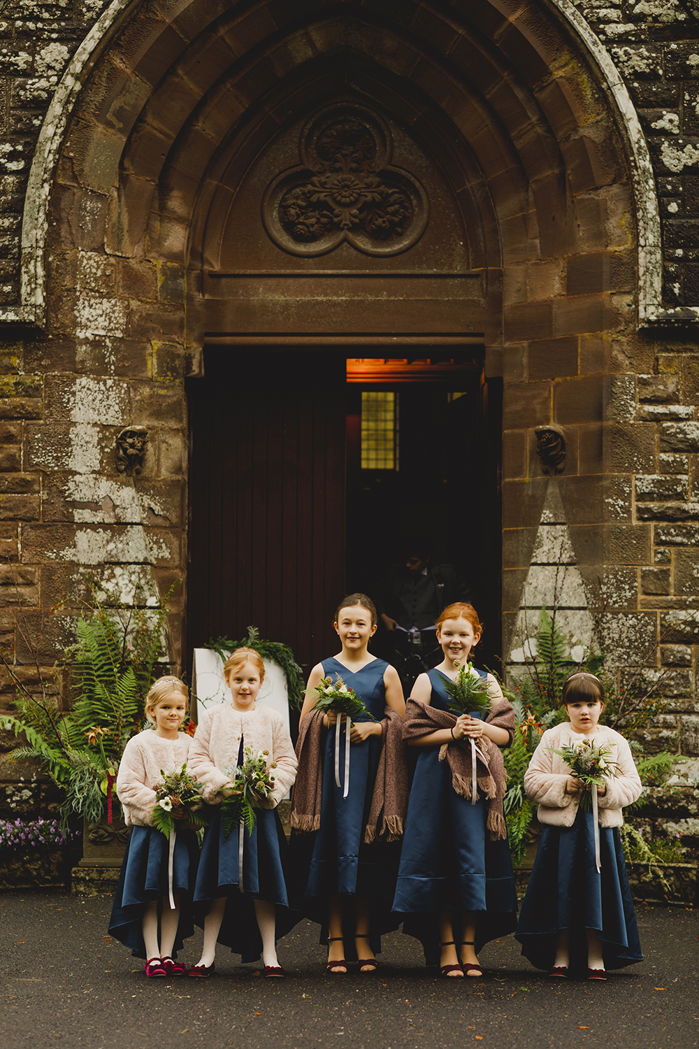 getting ready - Drumtochty Castle autumnal wedding by Duke Wedding Photography