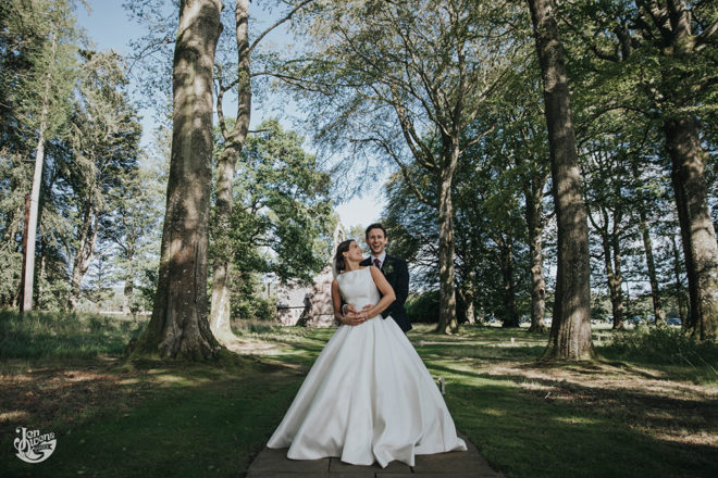 Featured Image for Fun Scottish castle wedding with beautiful blooms at Fasque Castle, Laurencekirk