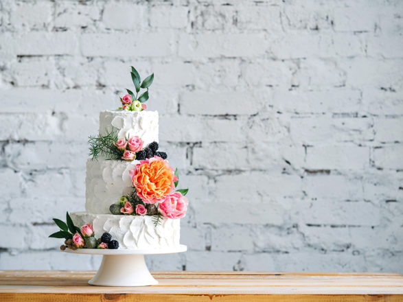 Featured Image for 25 cakes we love by Scottish wedding cake designers