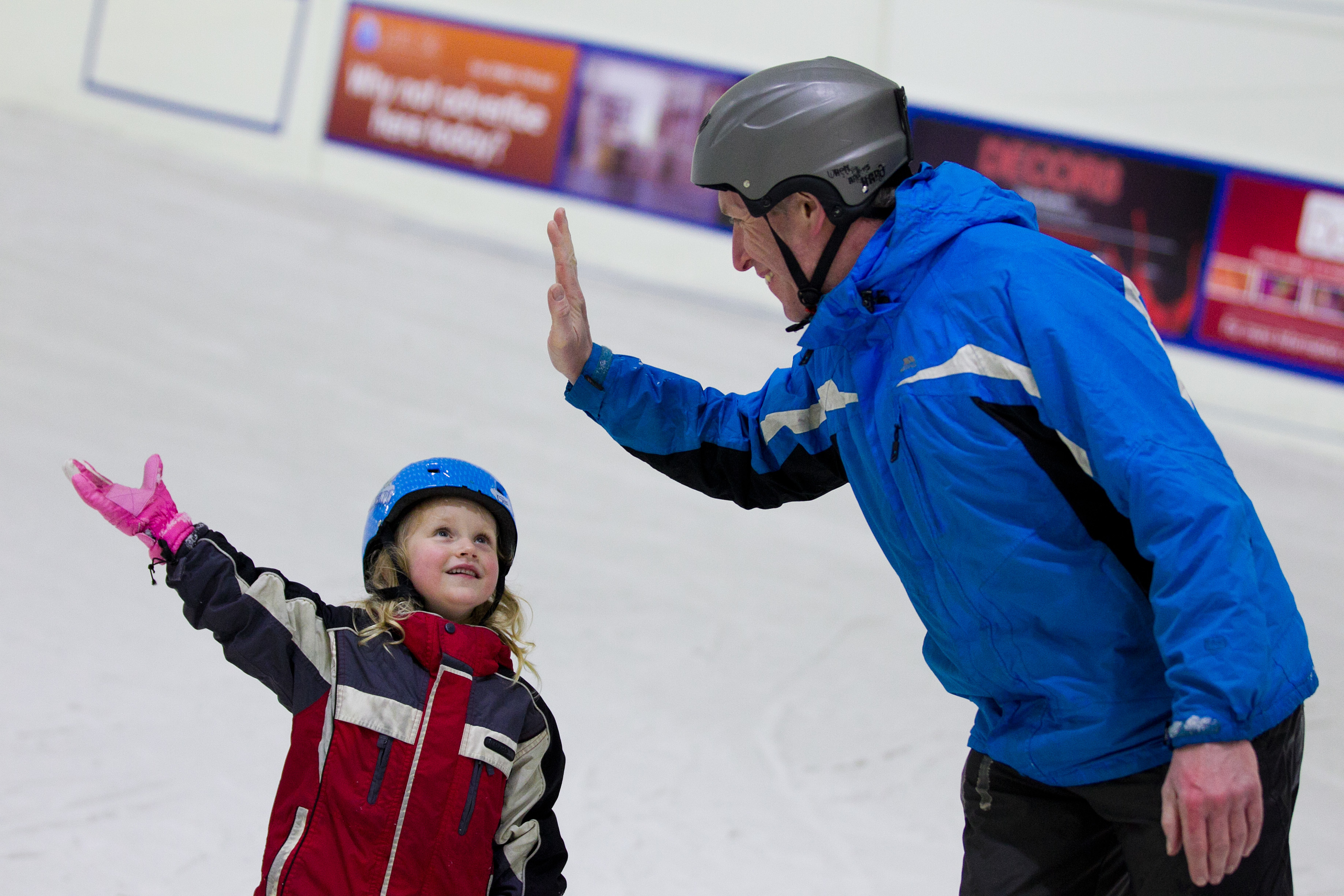 Craig learns to ski with daughter Megan (Andrew Cawley / DC Thomson)