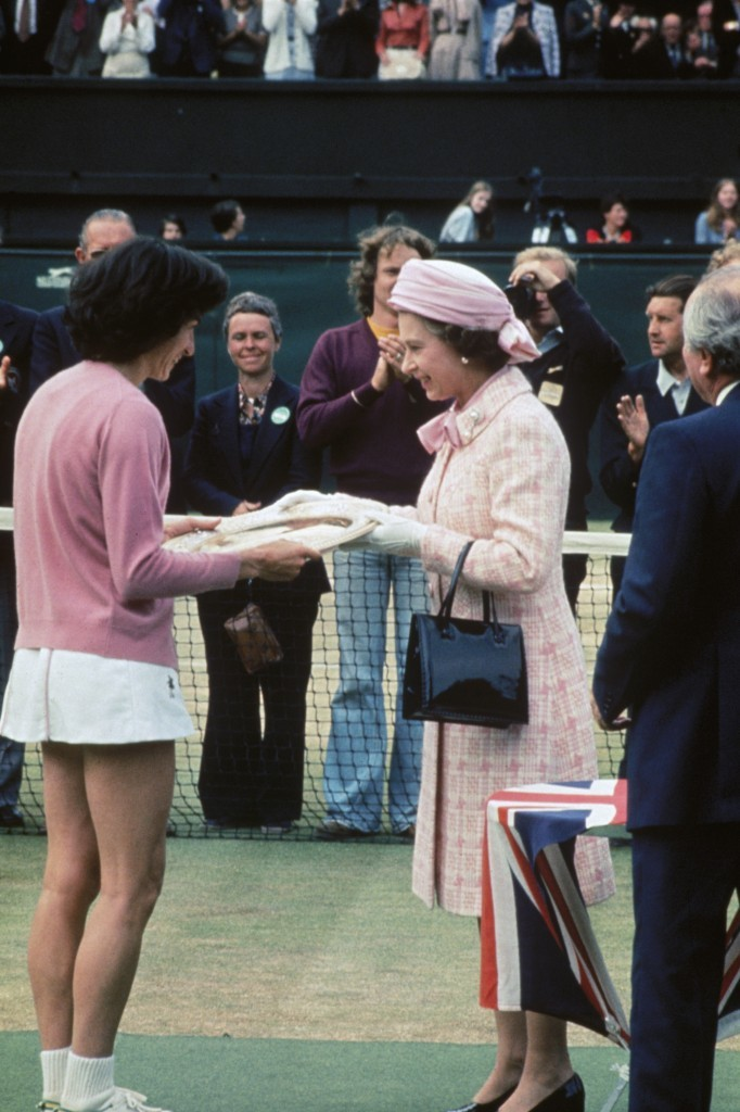 Virginia Wade is presented with the Women's Singles shield by The Queen (Hulton Archive/Getty Images)
