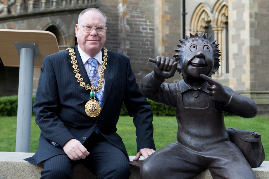 Lord Provost Bob Duncan meets Wullie (Andrew Cawley / DC Thomson)