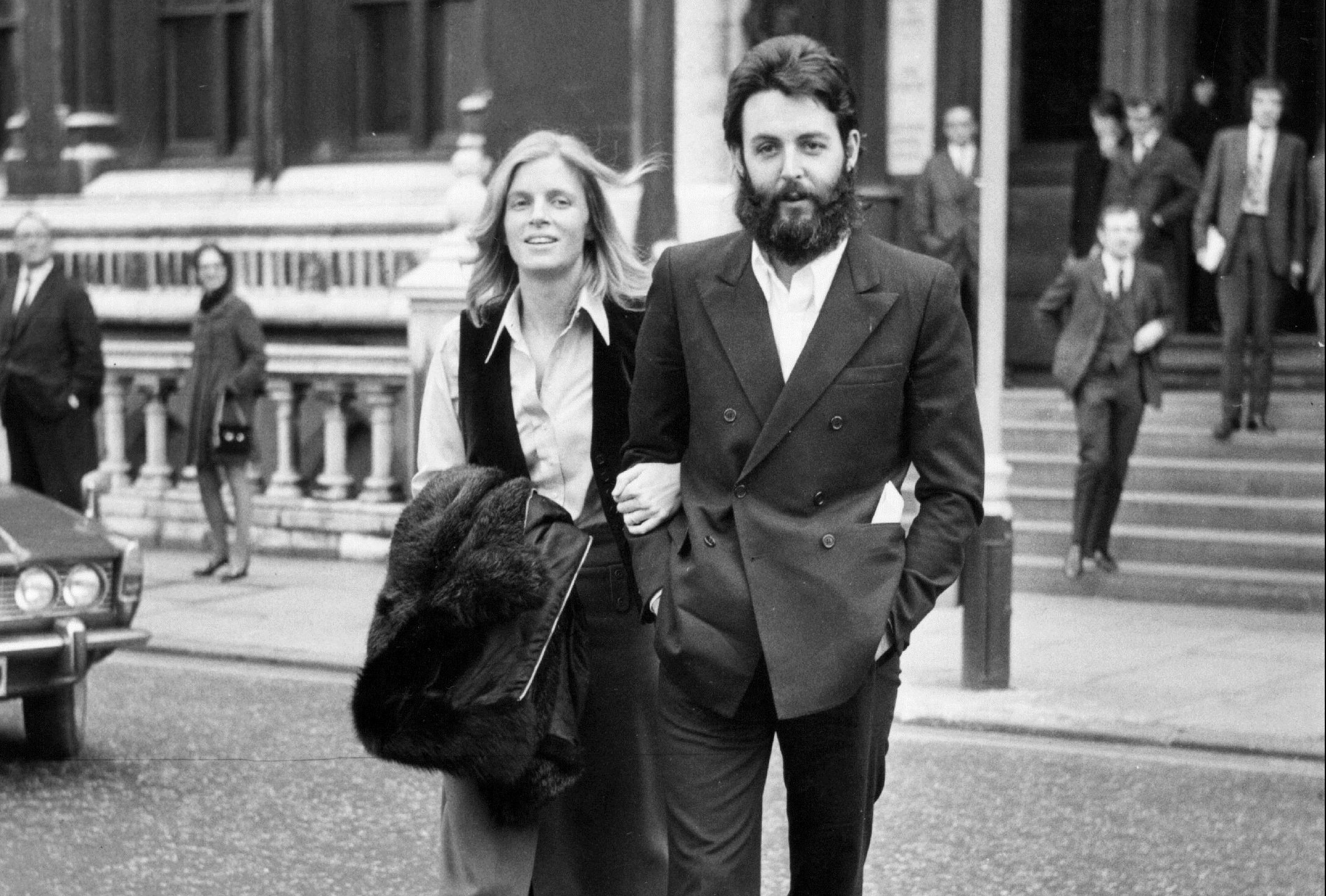 Paul and Linda (1941 - 1998) McCartney leaving court (Evening Standard/Getty Images)
