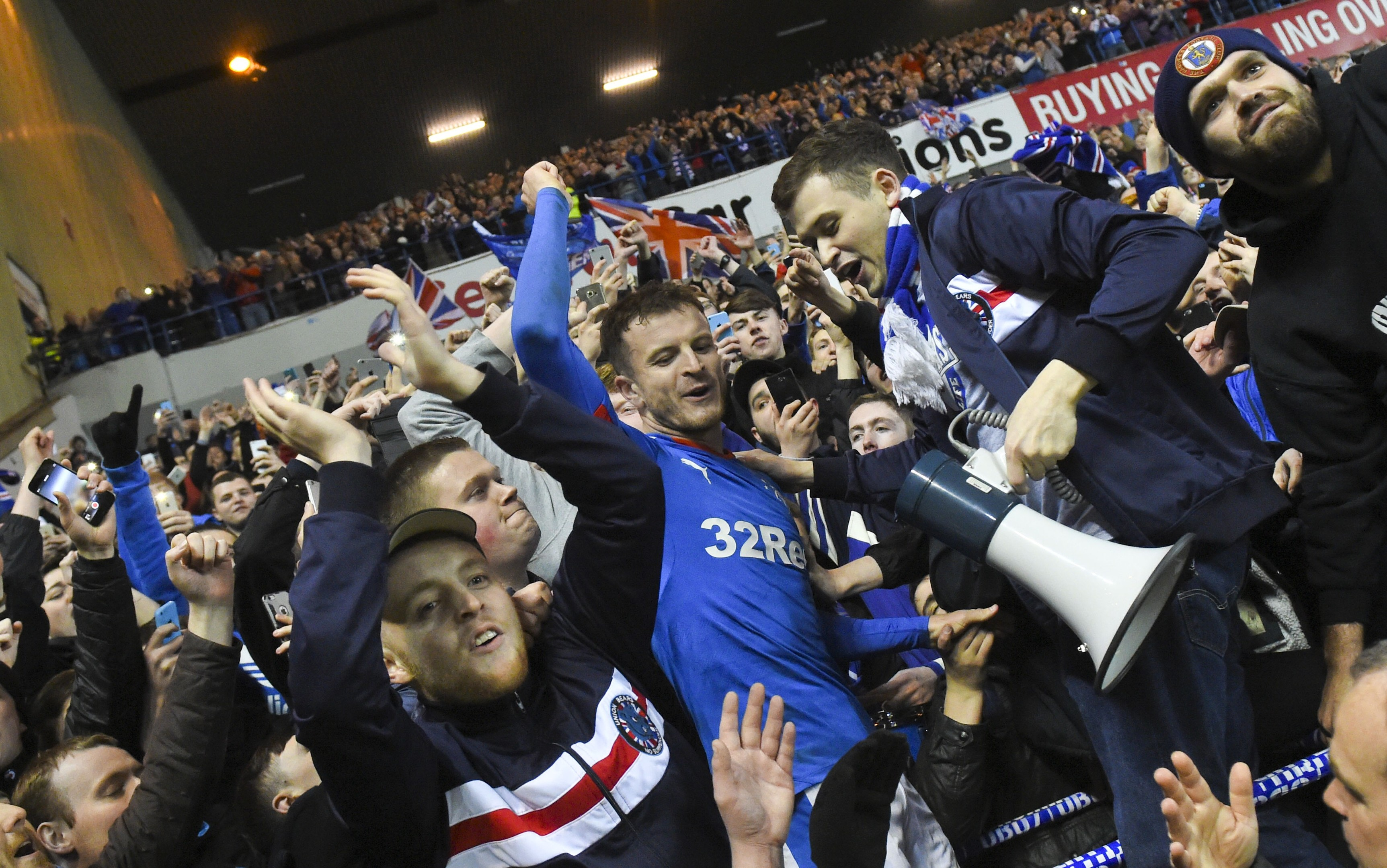 Rangers' Andy Halliday celebrates with the fans at full-time (SNS Group / Craig Foy)