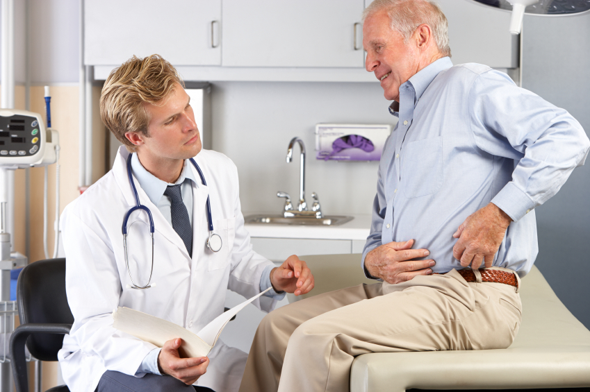 Hip replacement consultation (Catherine Yeulet)