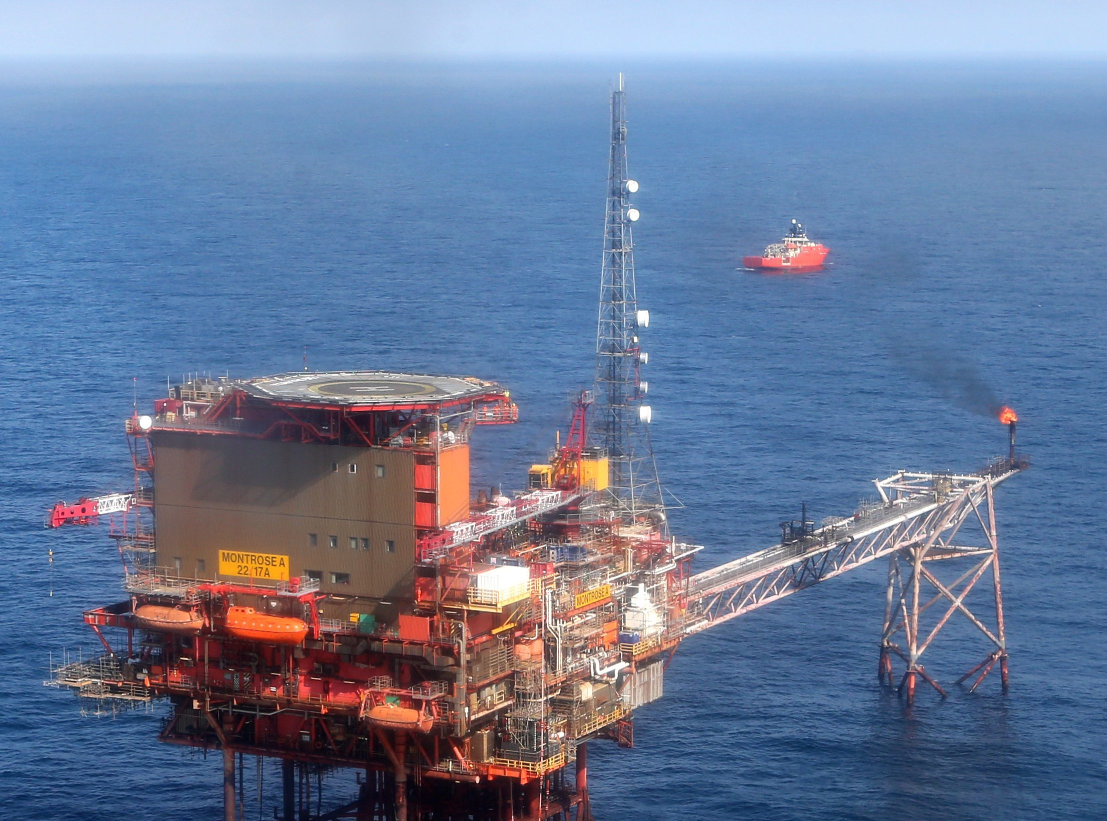 The Montrose Platform in the North Sea (PA)