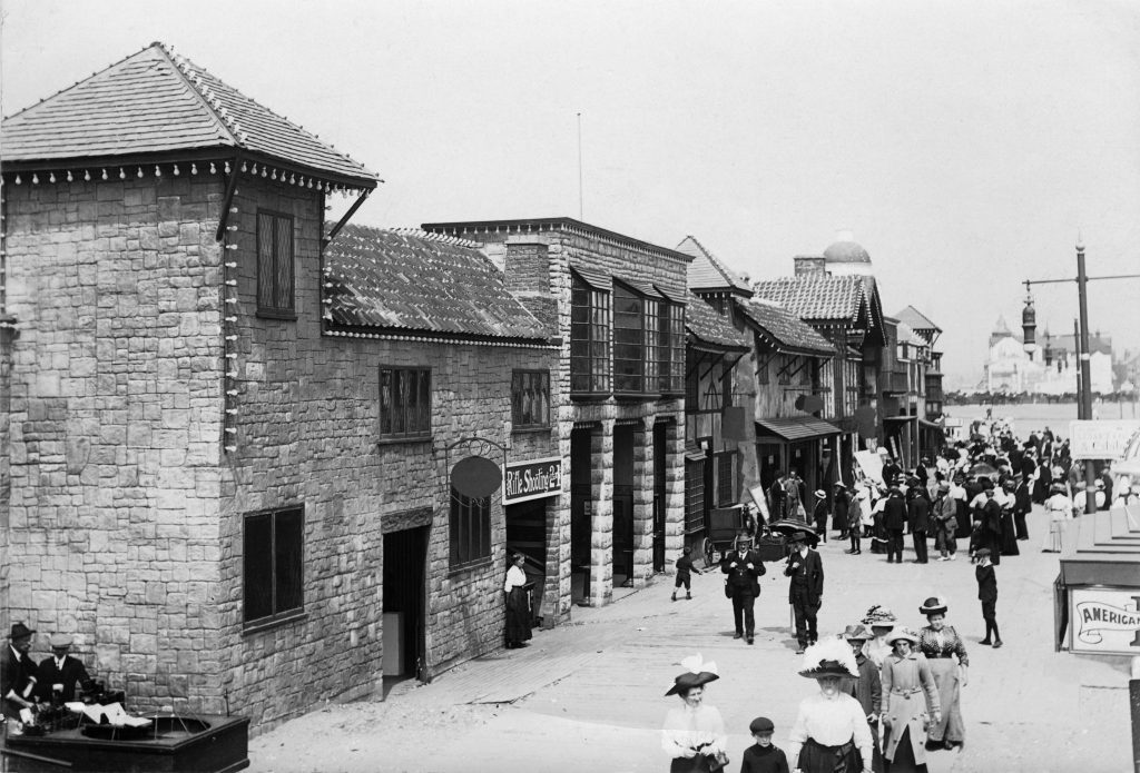 1912: Ye Olde Englyshe Street was a popular place for a gentle stroll for families.
