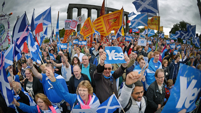 Independence referendum activists (Jeff J Mitchell/Getty Images)