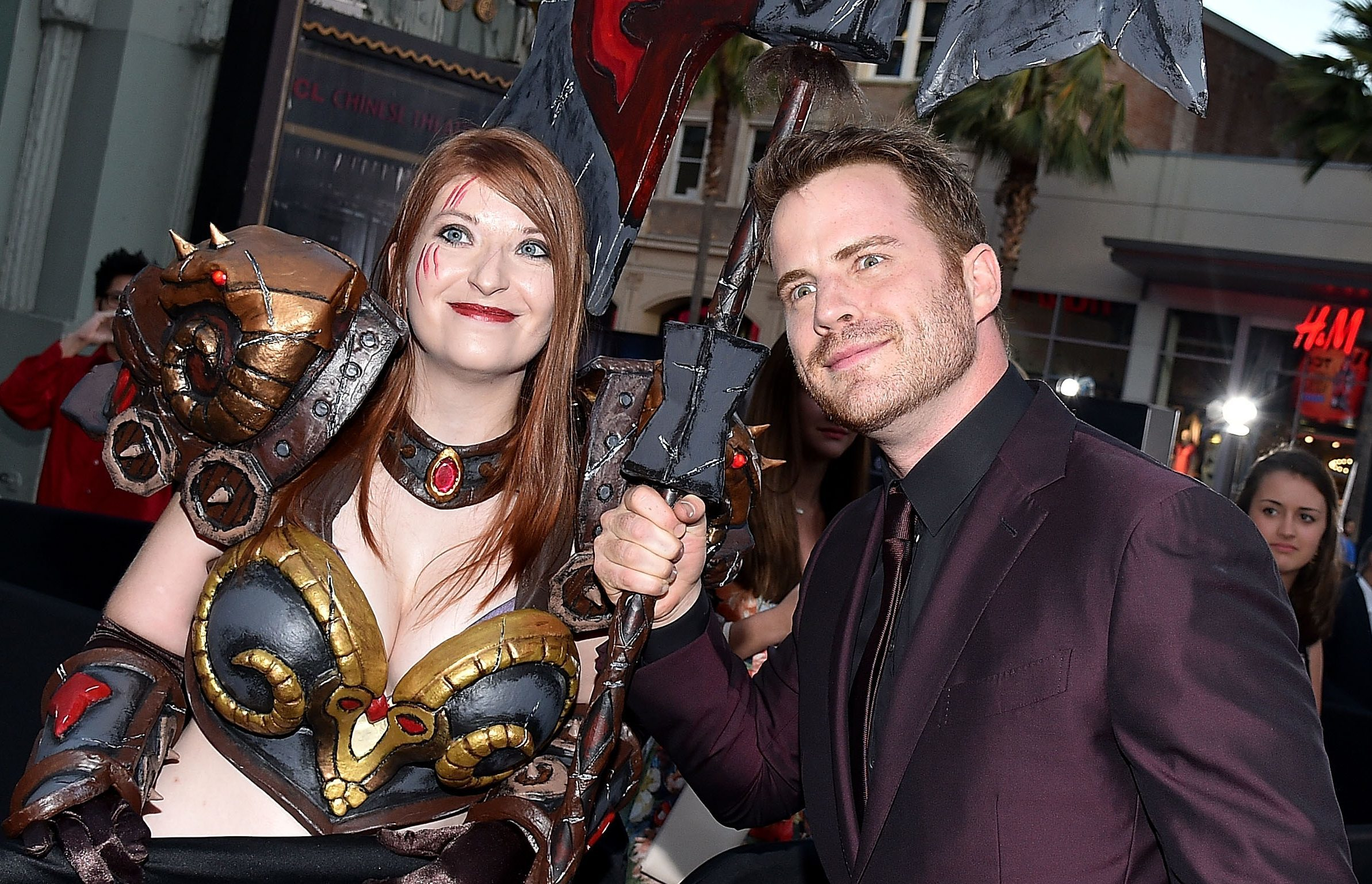 Actor Rob Kazinsky poses with a fan during the premiere of Warcraft (Mike Windle/Getty Images)