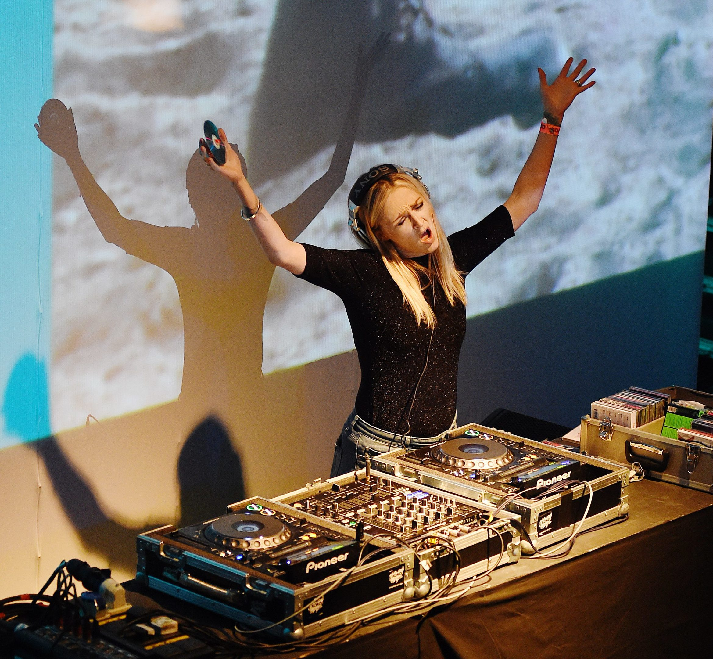 Fearne Cotton performs a DJ set at the Bing Wrap Party during Advertising Week Europe 2016 at KOKO in London (Tabatha Fireman/Getty Images)