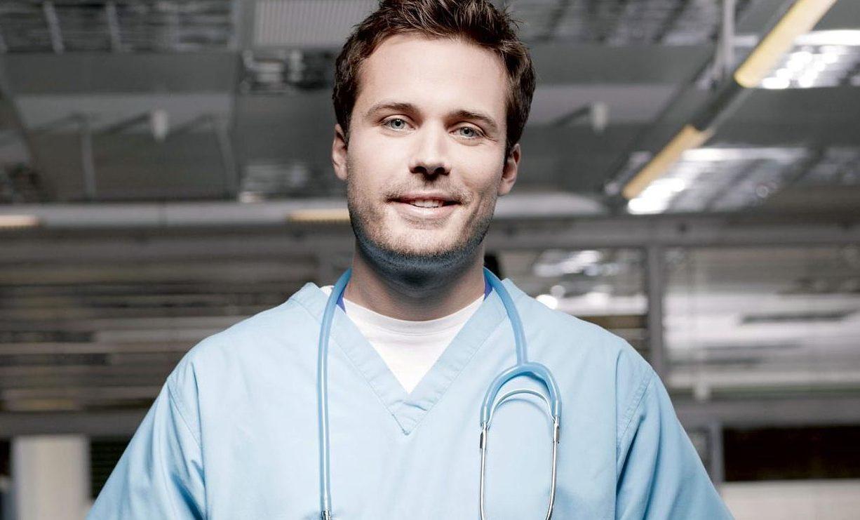 James Anderson (Oliver Valentine)