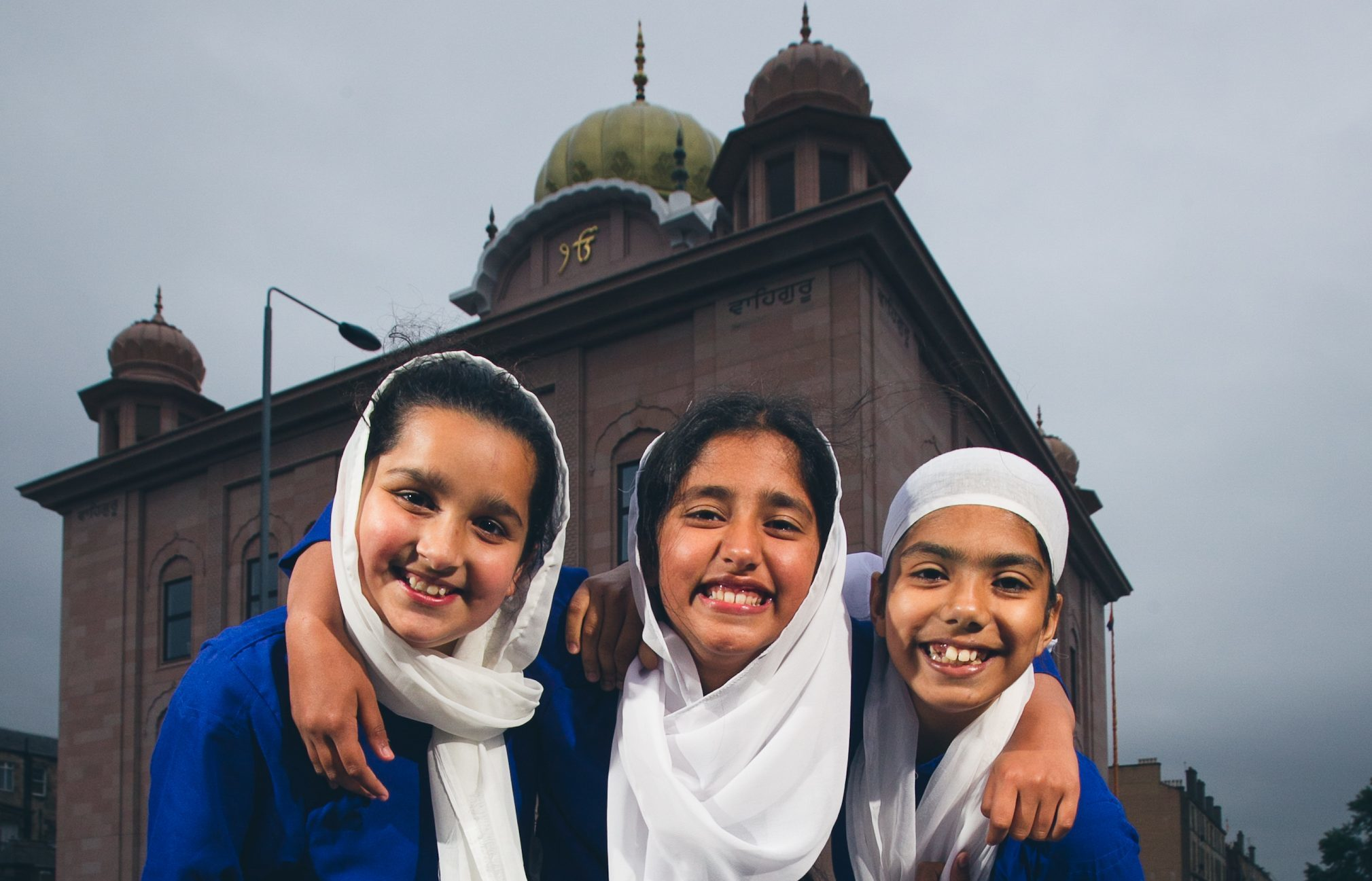 Outside the Gurdwara, 3 young girls wearing traditional Khalsa dress, (L-R): Saloni Kaur, 11, Dilraj Kaur, 10, Simmi Kaur, 10 (Andrew Cawley / DC Thomson)