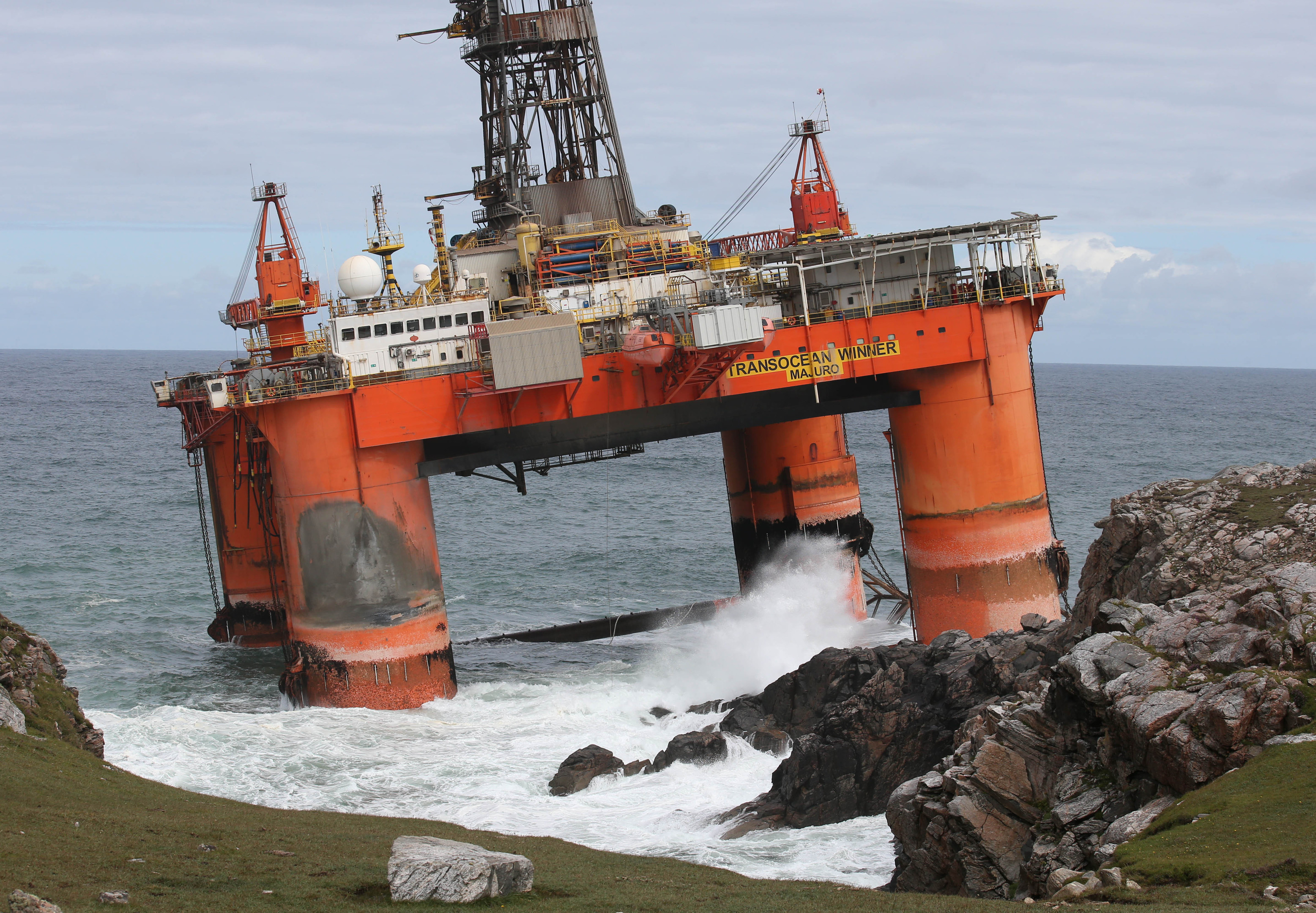 The Transocean Winner drilling rig after it ran aground on the beach of Dalmore in the Carloway area of the Isle of Lewis. (Andrew Milligan/PA Wire)