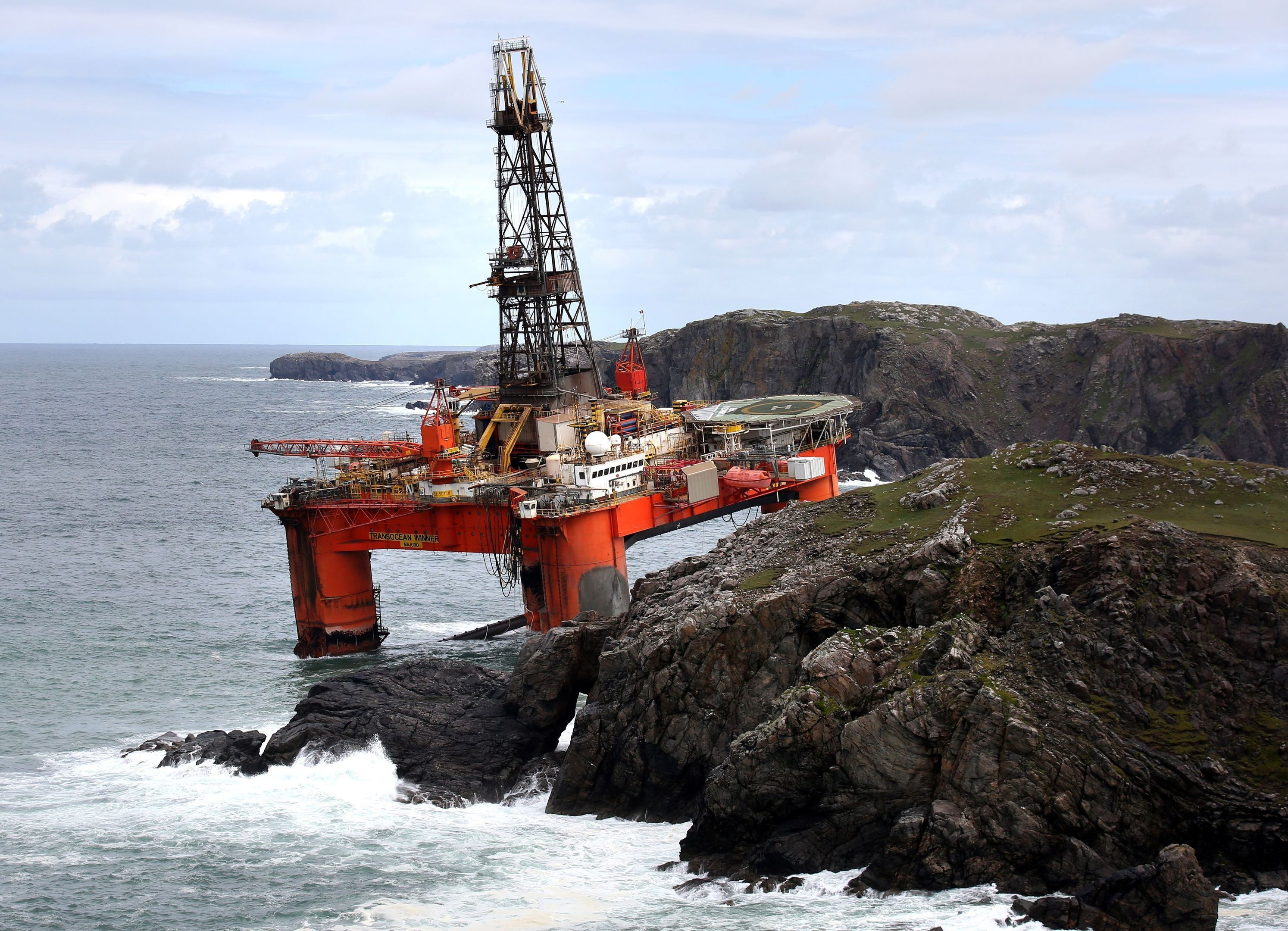 Transocean Winner drilling rig after it ran aground on the beach of Dalmore in the Carloway area of the Isle of Lewis (Andrew Milligan/PA)