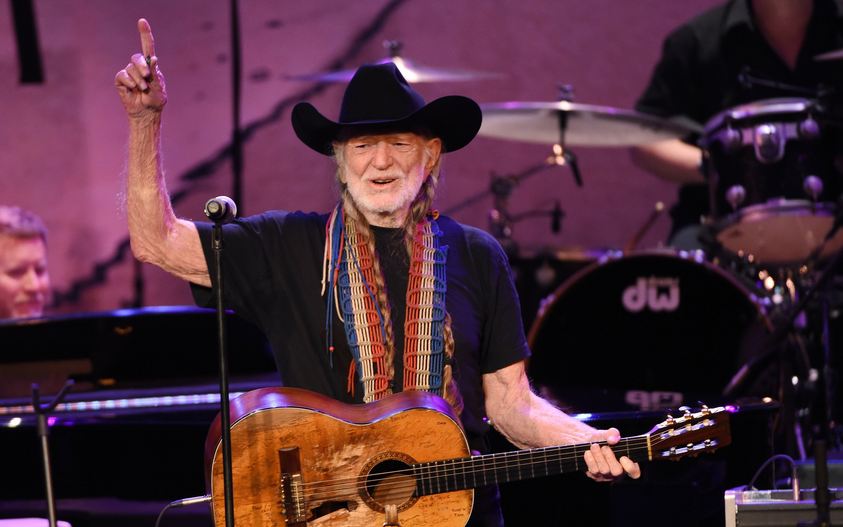 Willie Nelson (PA)