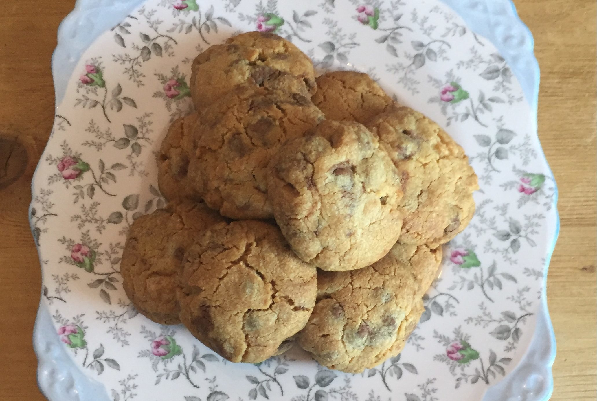 Perfect mouthful choc chip cookies (Jules Reeley)