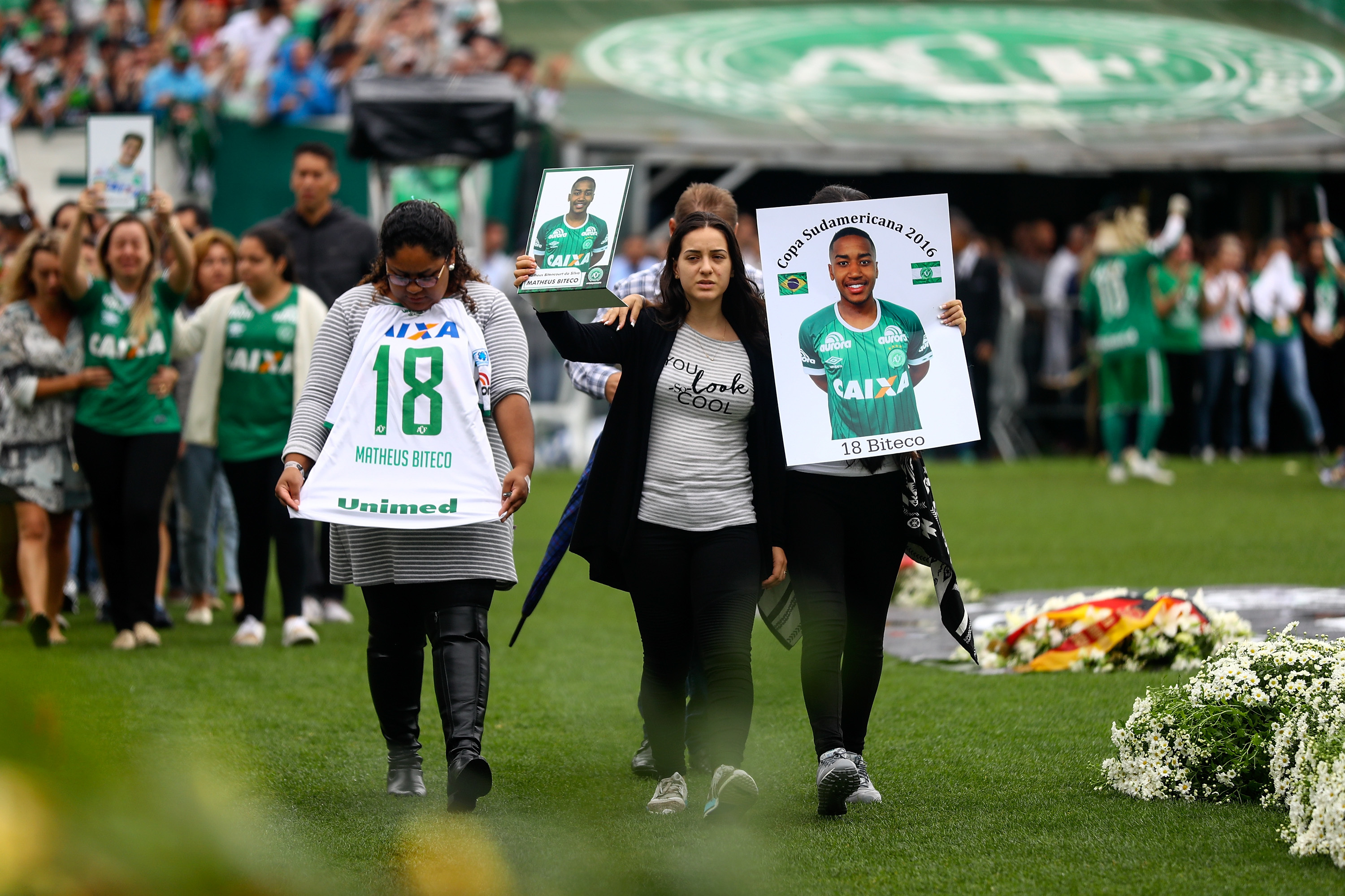 Tributes paid to the players  (Buda Mendes/Getty Images)
