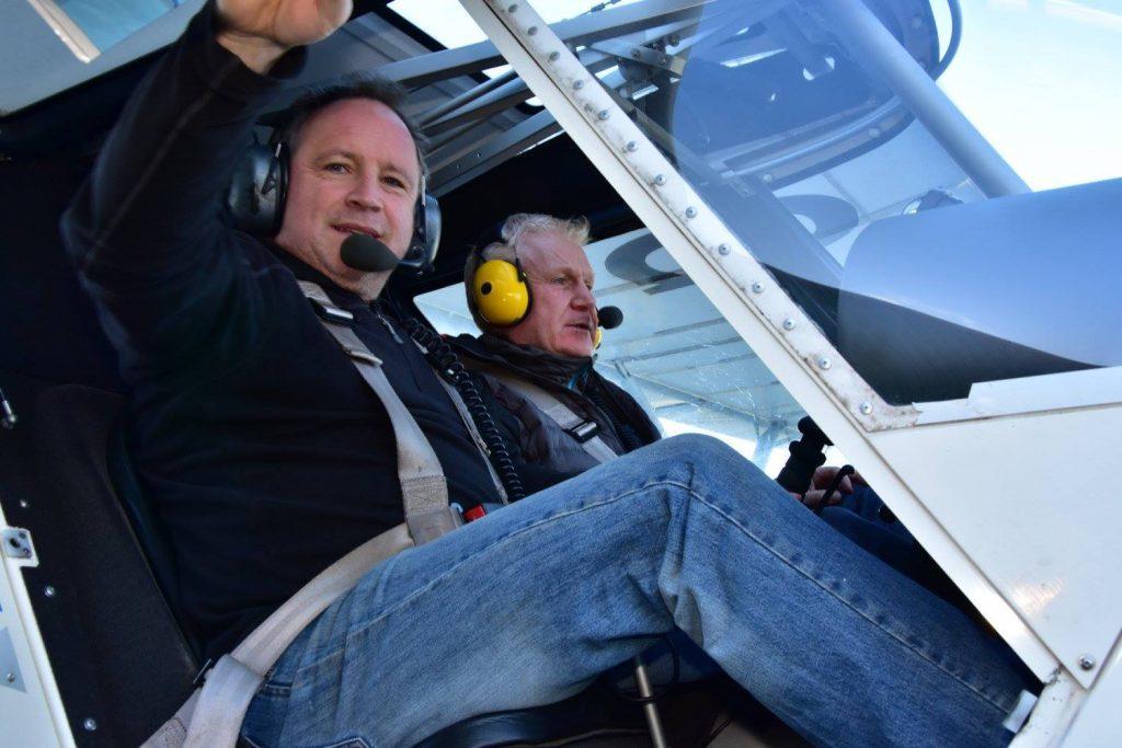 Blind daredevil Scott Cunningham learning to fly