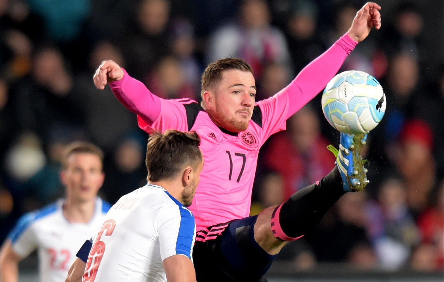 Scotland's Ross McCormack (right) in action against the Czech Republic (SNS Group)