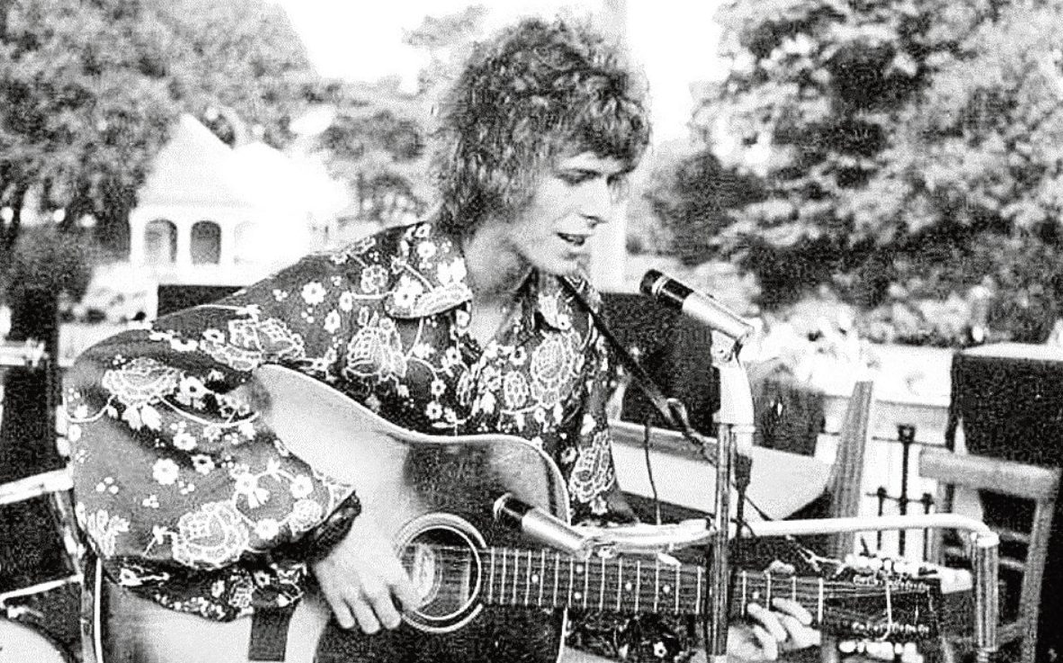 David Bowie playing at the Free Festival in 1969