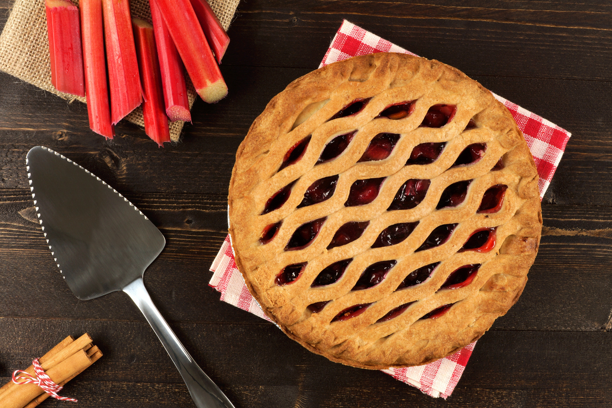 Strawberry and rhubarb pie (Getty Images)
