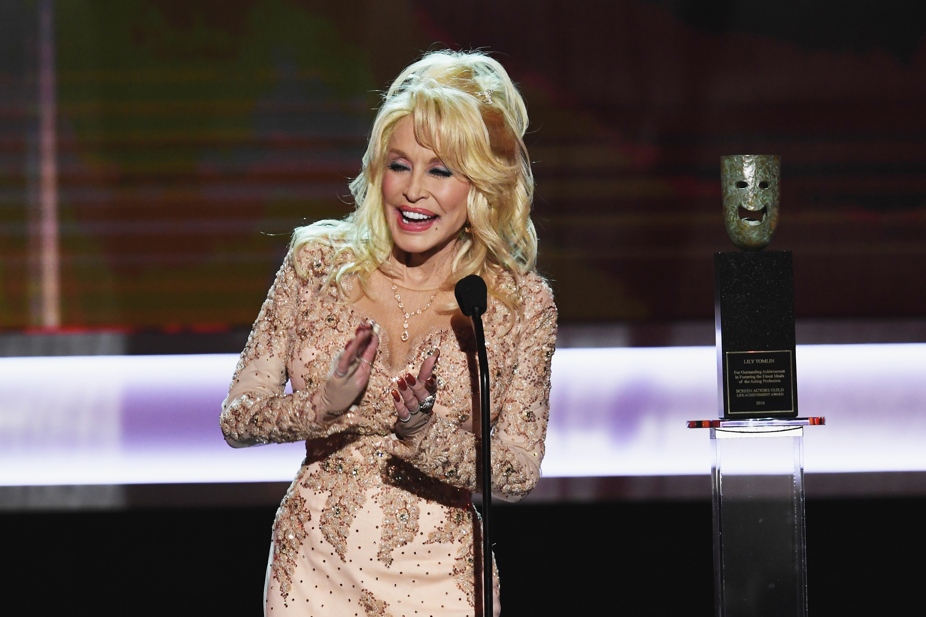 Singer/actor Dolly Parton onstage at the Screen Actors Guild Awards (Kevin Winter/Getty Images )
