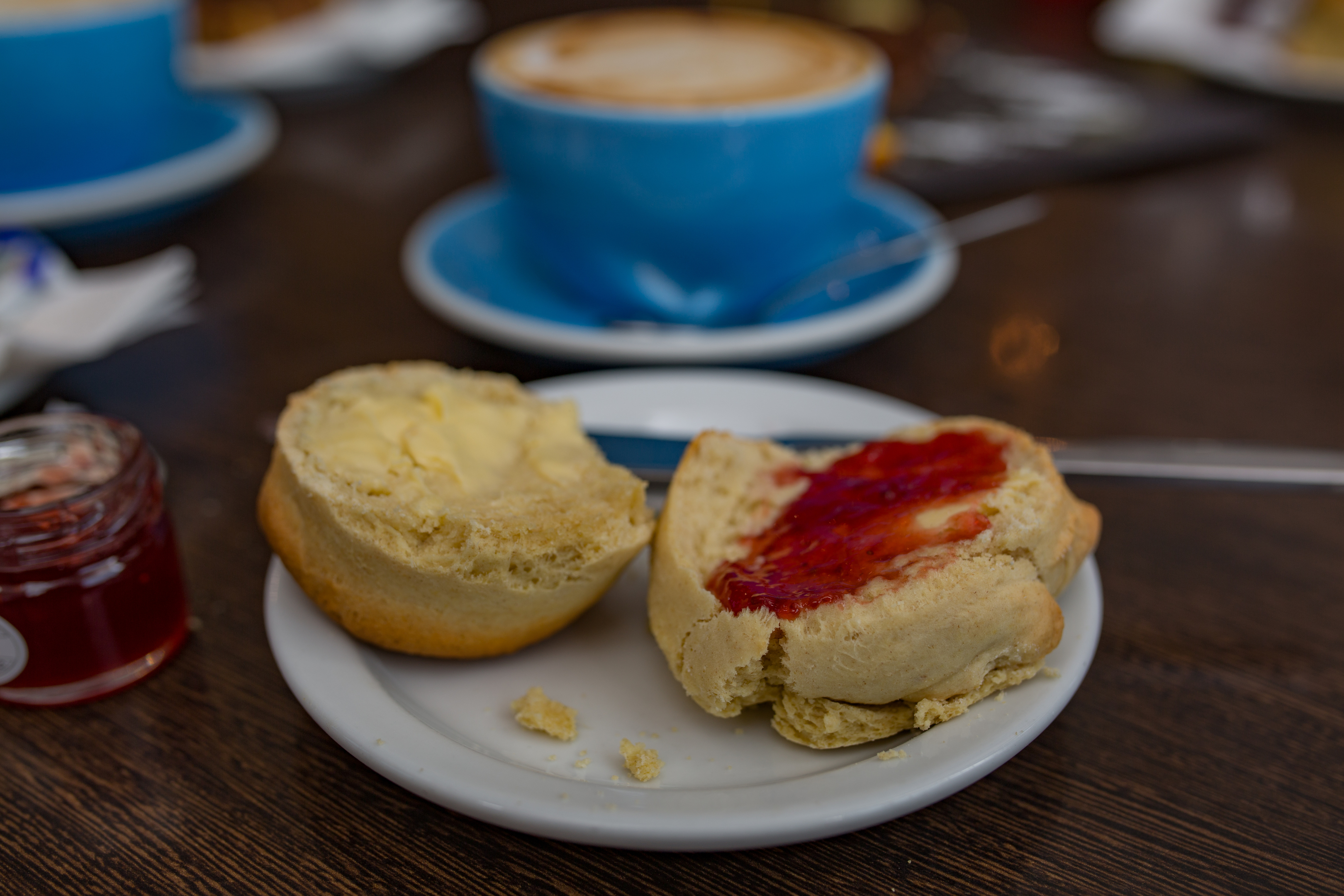 Cafe Sia's Scone (Skye Commercial Photography)
