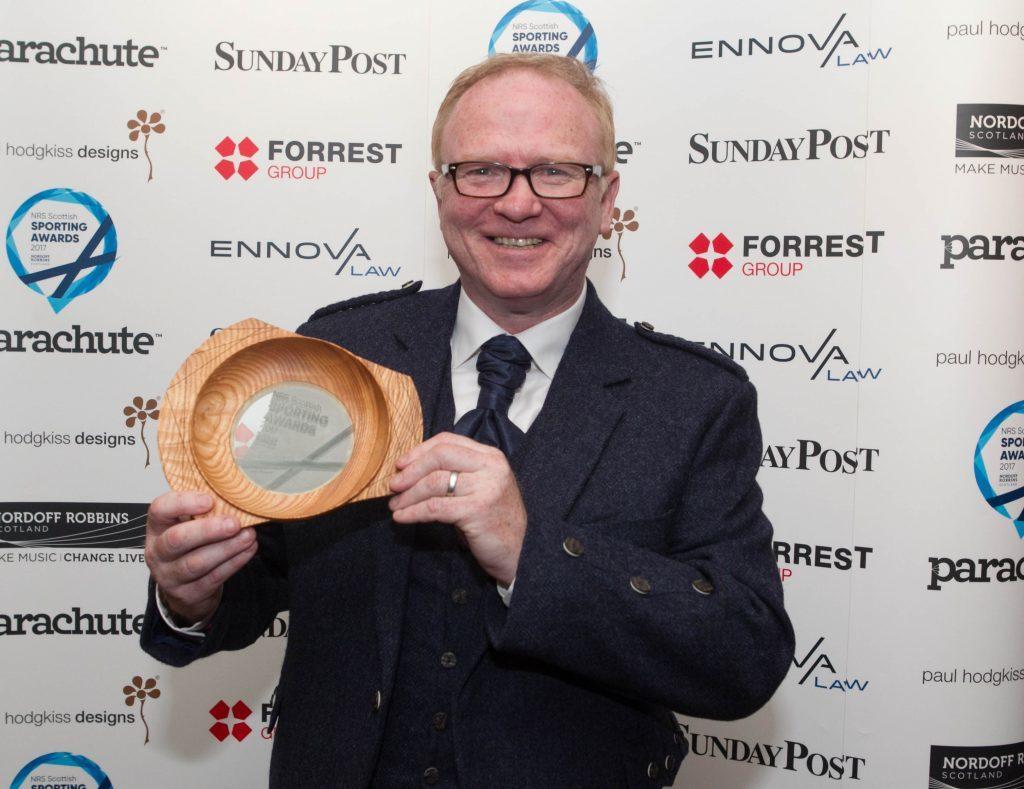 Alex McLeish with his award (Chris Austin / DC Thomson)