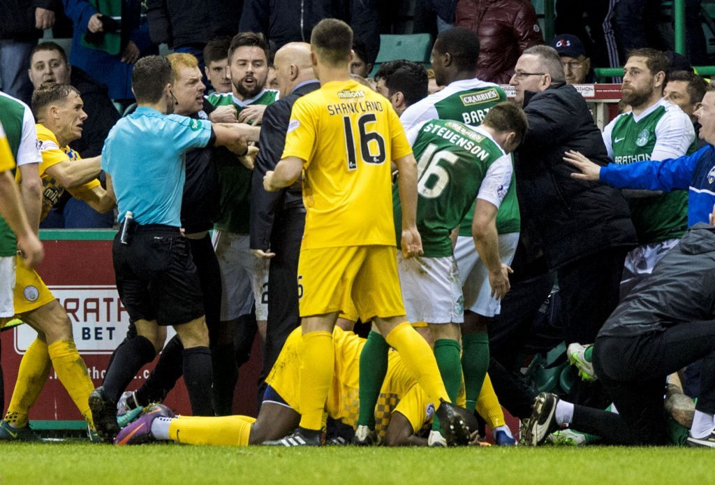 The heated scenes at Easter Road (SNS Group)