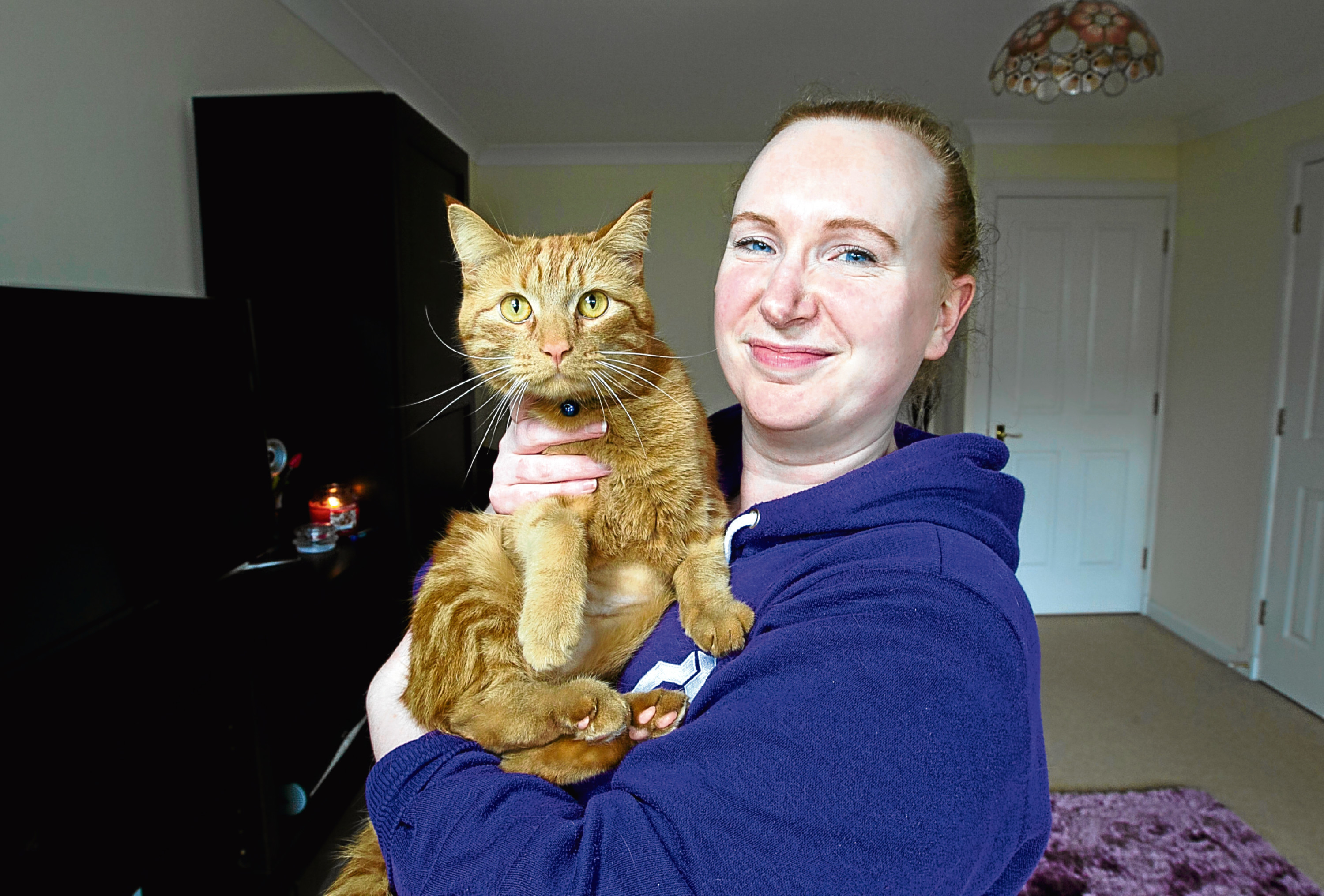 Jem the cat, and his owner Pamela Hogg (Andrew Cawley / DC Thomson)