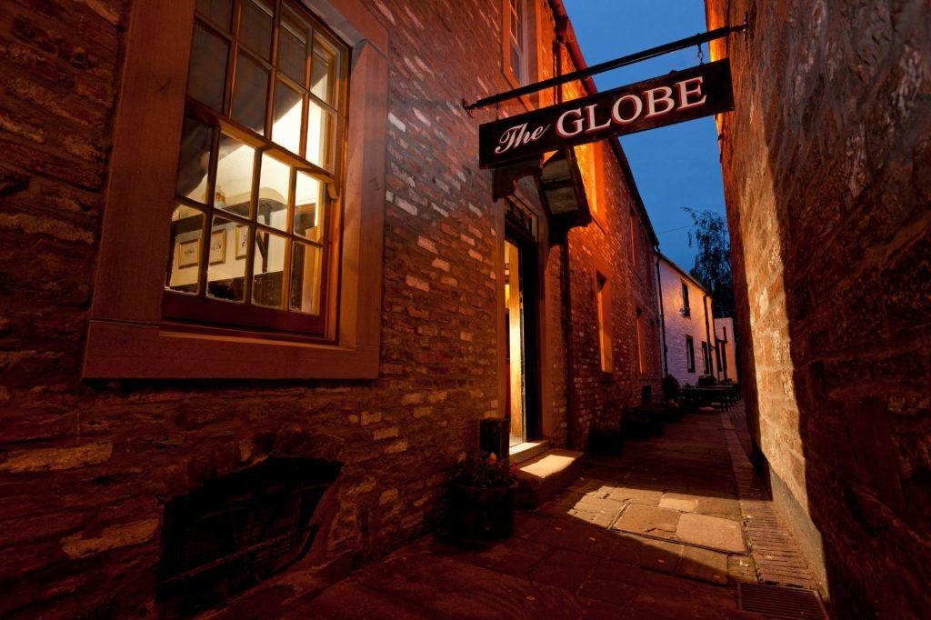 Exterior of the Globe Inn, Dumfries, Dumfries & Galloway. The favourite drinking 'Howff' of poet Robert Burns