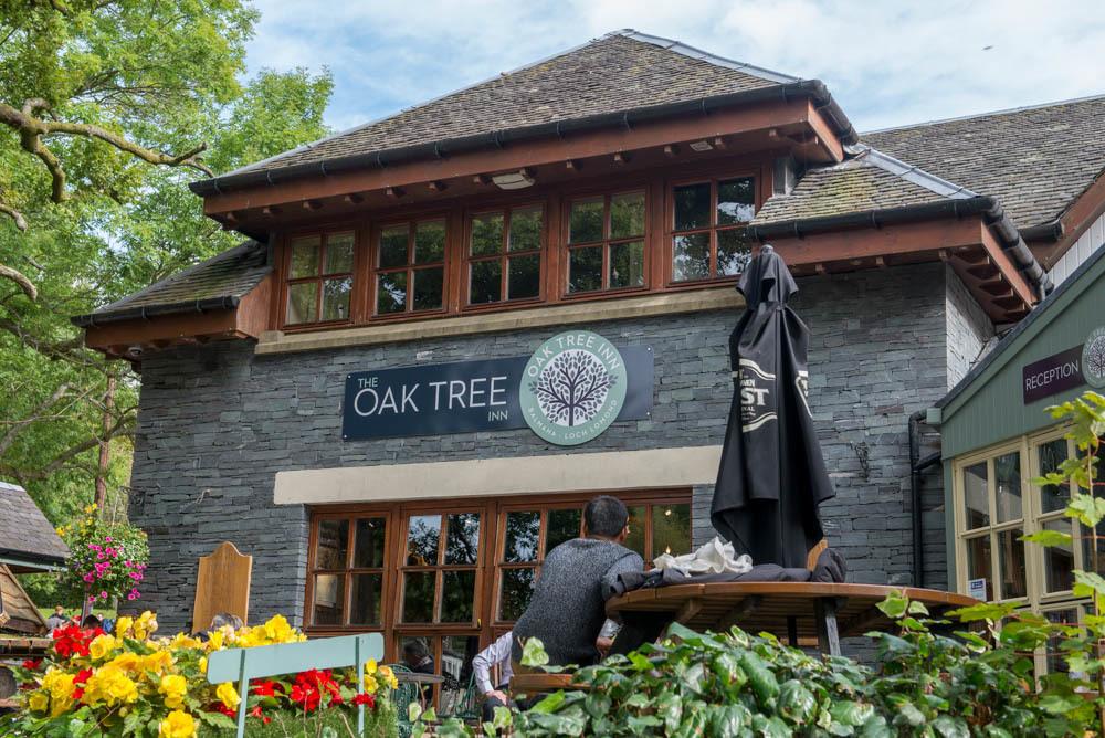 Oak-Tree-Inn-Exterior-View-Balmaha.jpg