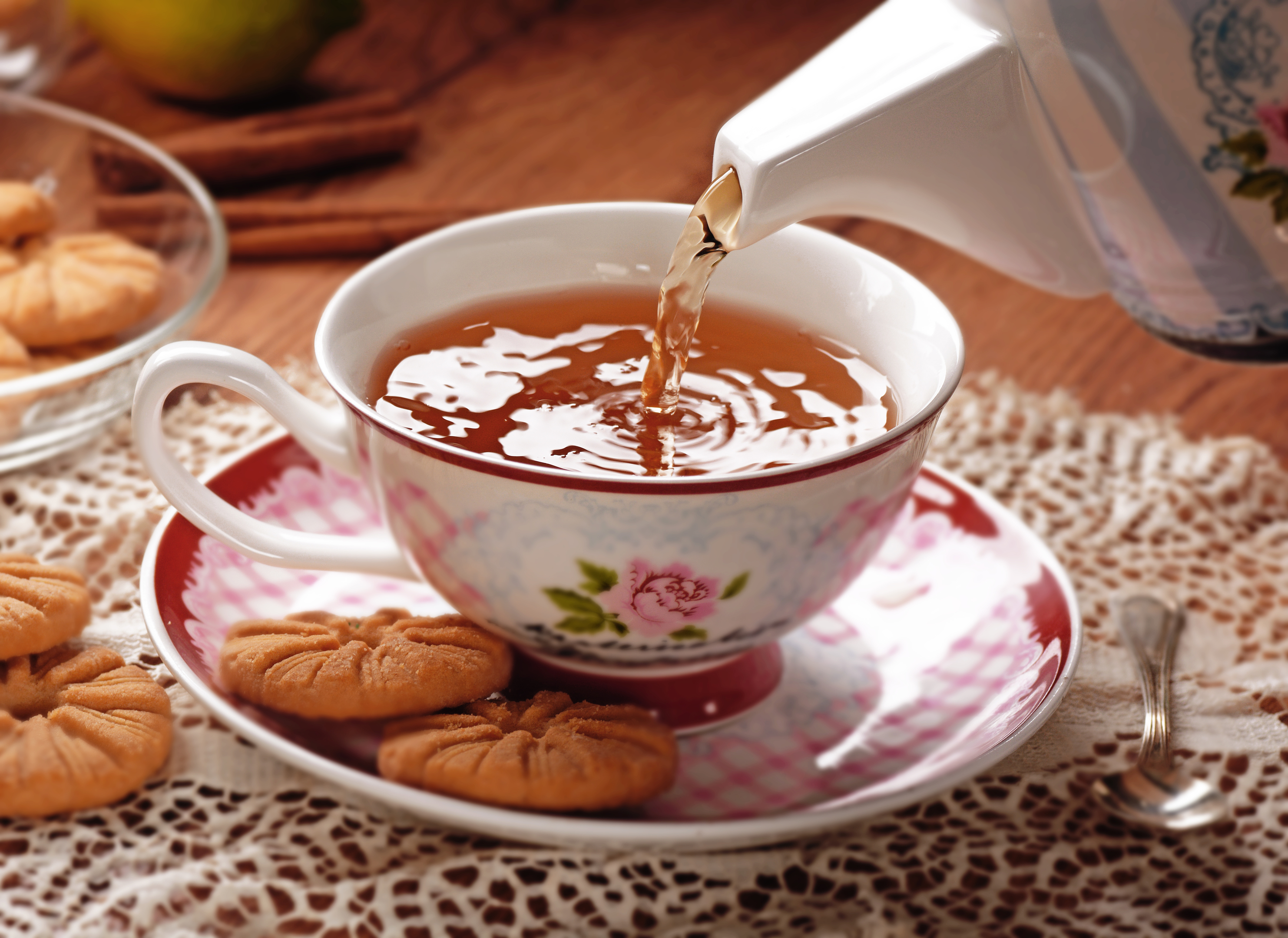 Do you take milk in your tea? What about biscuits? (iStock)