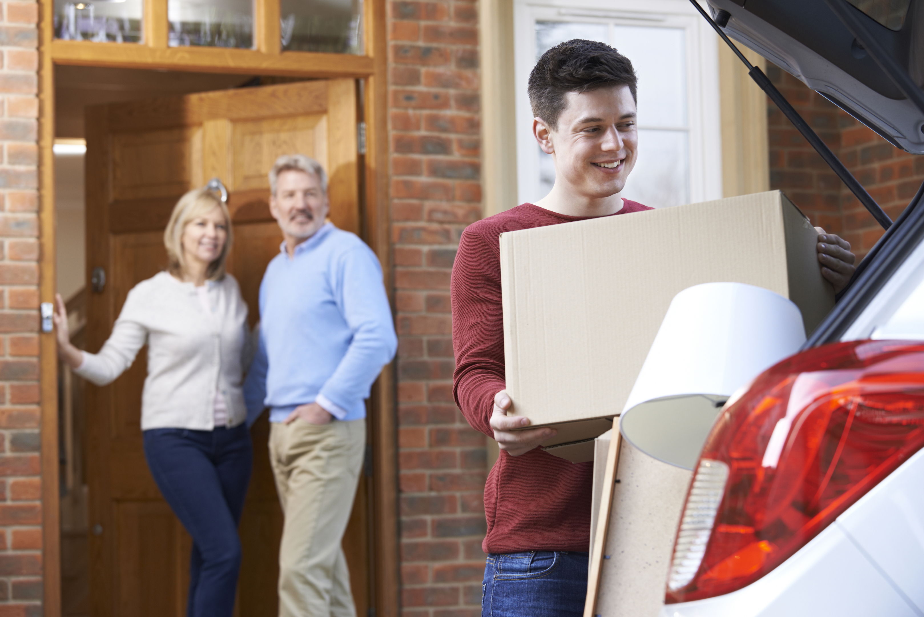 Moving away from home (iStock)