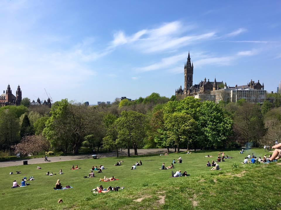 Glasgow's Kelvingrove Park in the sunshine