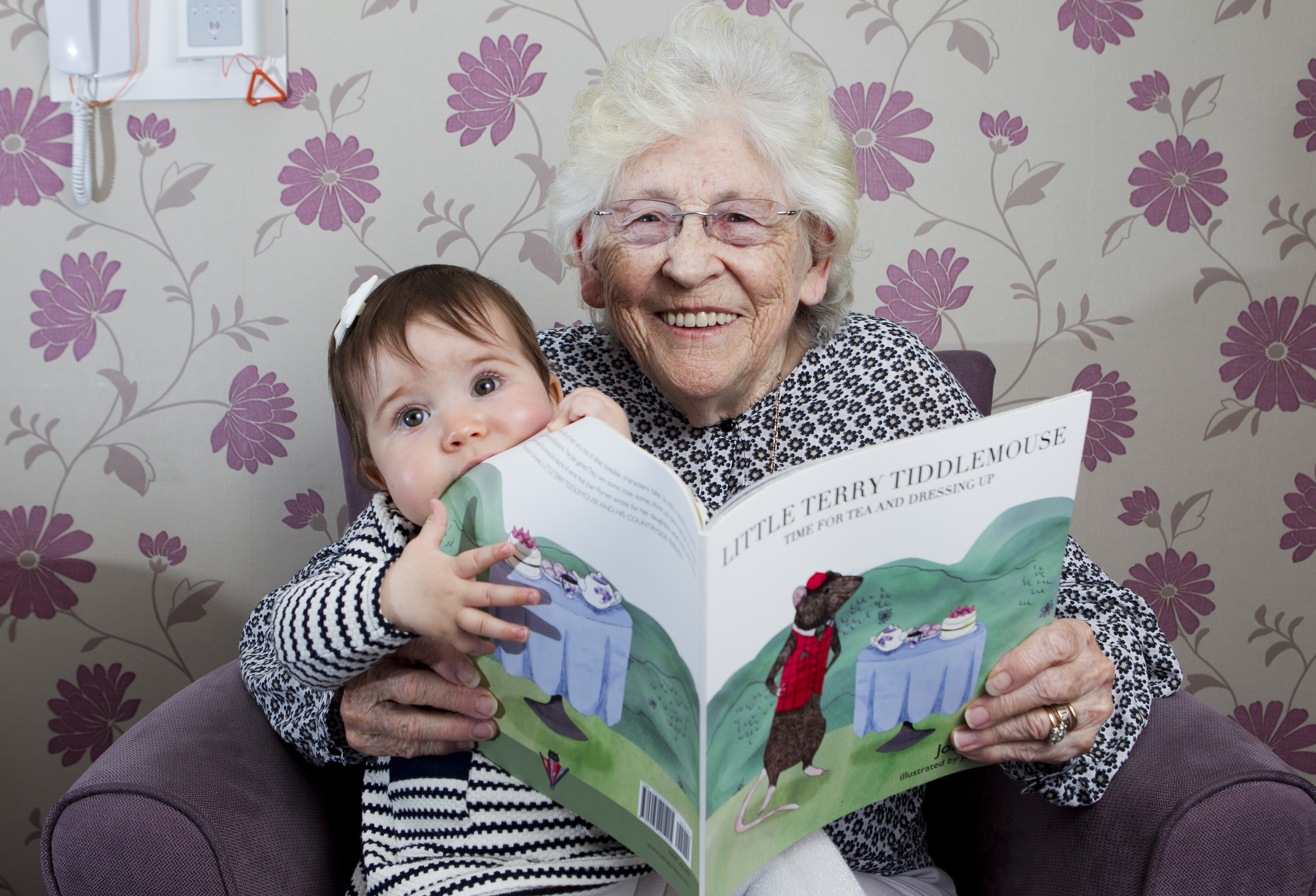 Joan Porter, and her great grand daughter, Remi (Andrew Cawley/Sunday Post)
