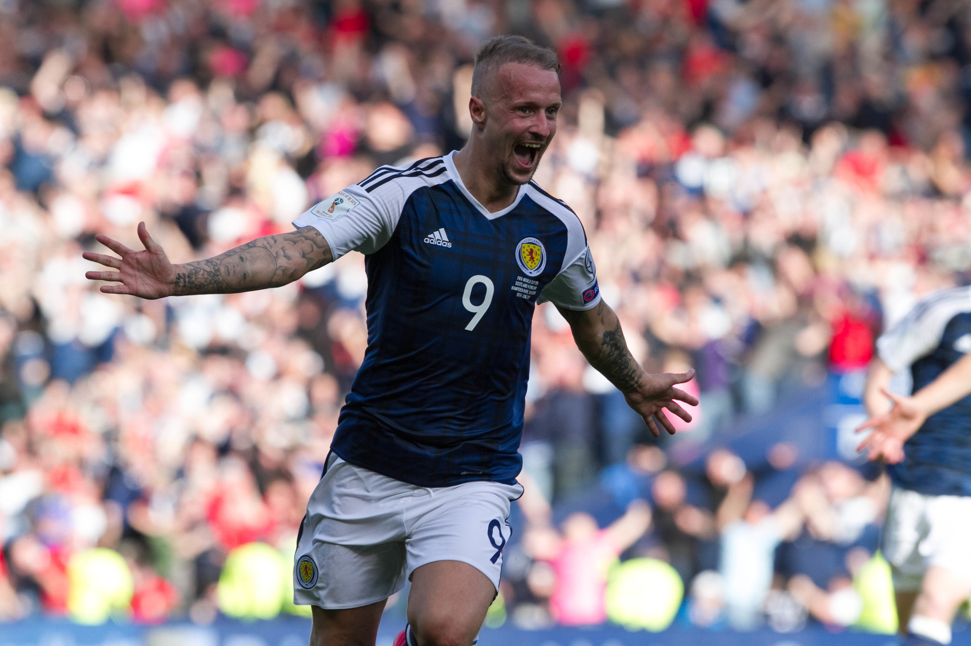 Leigh Griffiths celebrates (Chris Austin / DC Thomson)