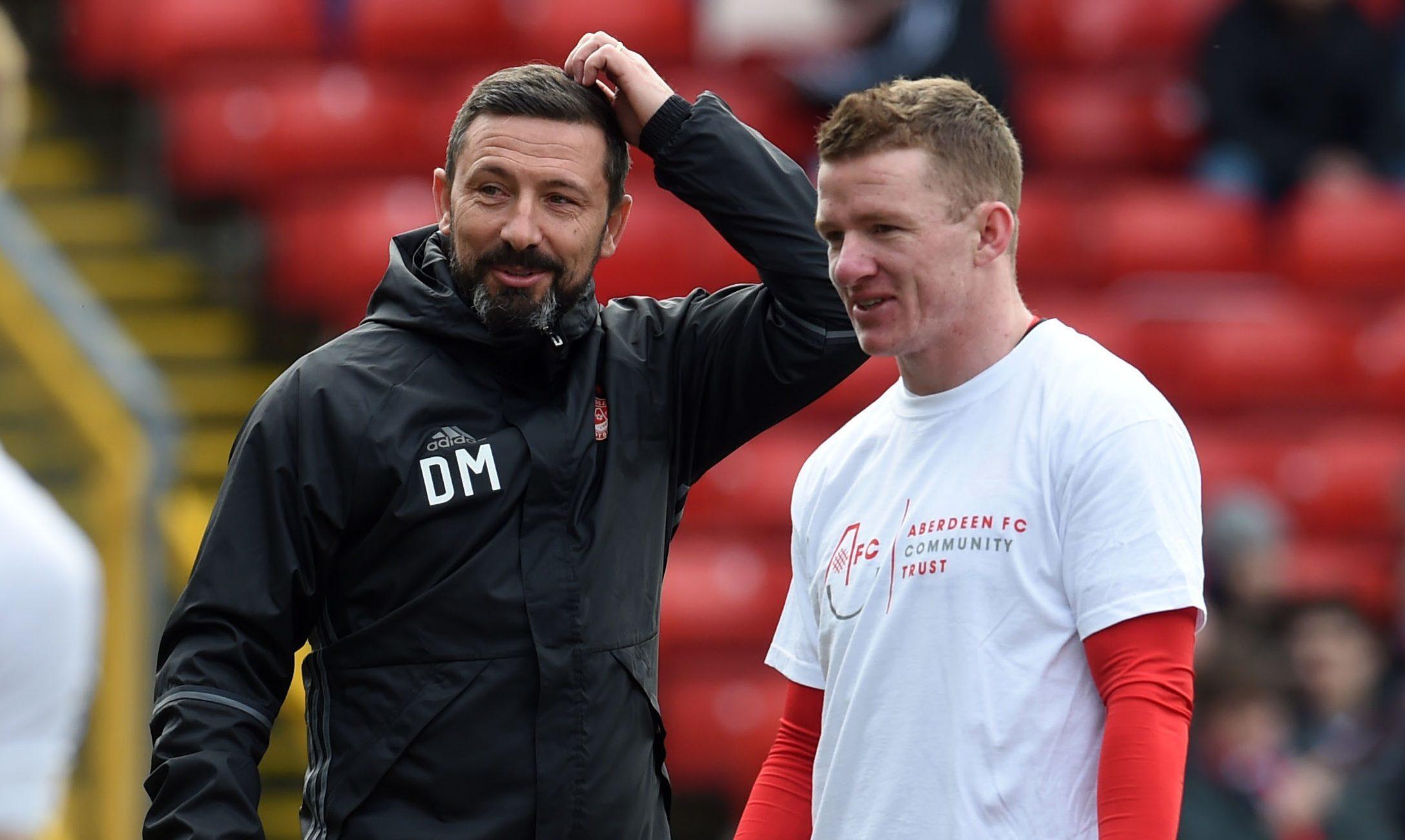 Aberdeen manager Derek McInnes with Jonny Hayes (SNS Group)