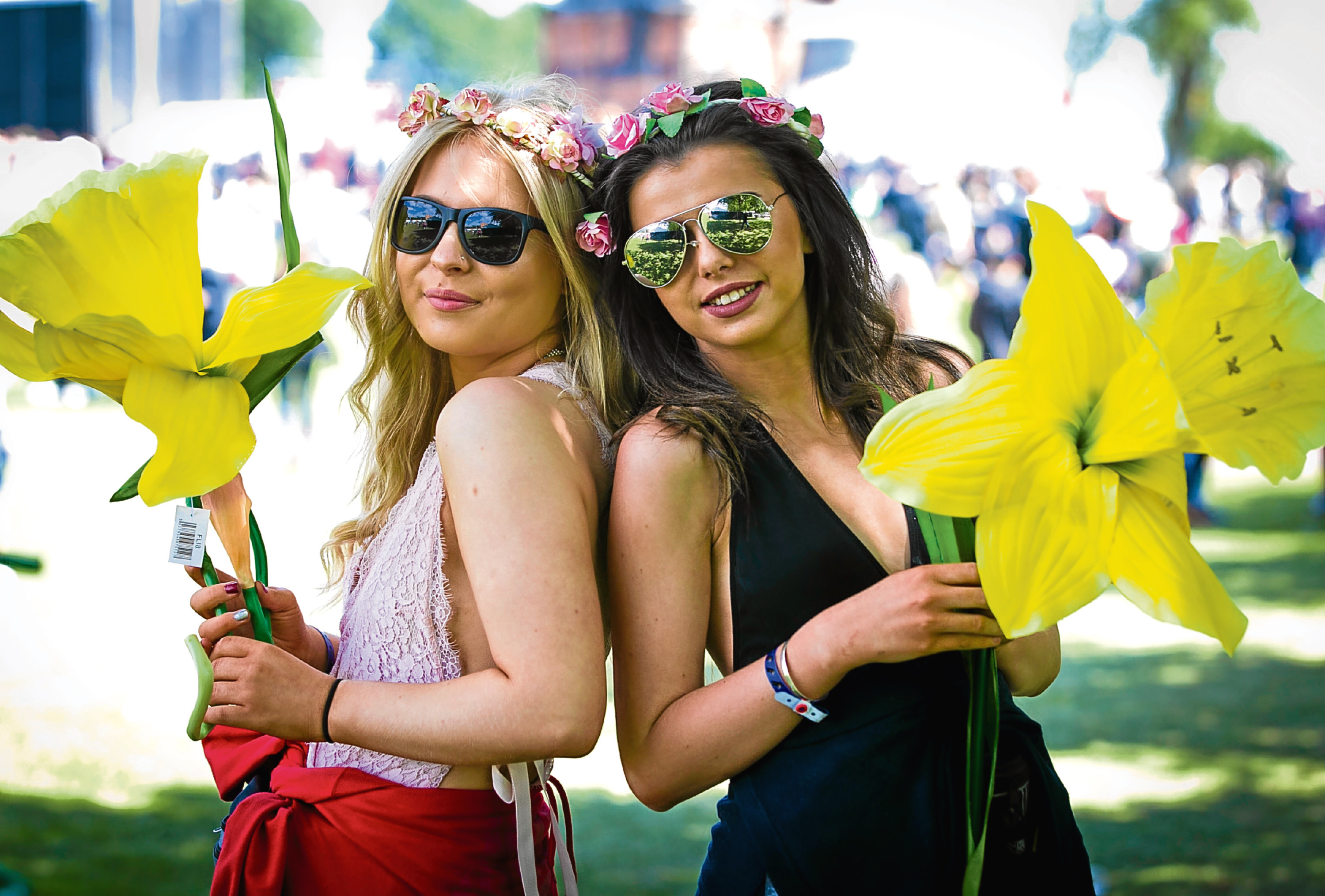 Revellers Cora Lamos (17), and Becca Gilmartin (17) at Glasgow's TRNSMT festival (Andrew Cawley / DC Thomson)