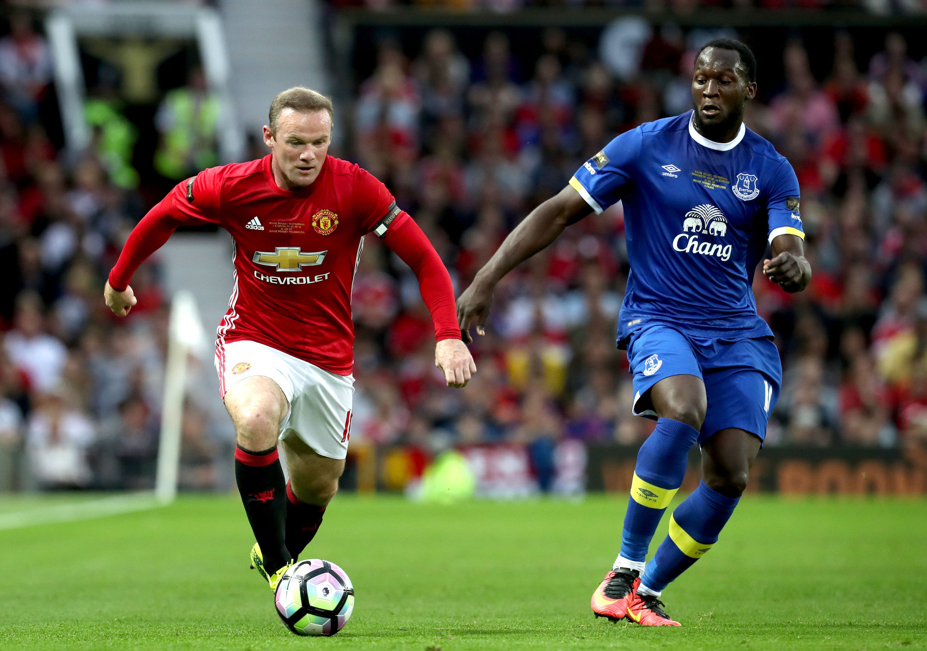 Wayne Rooney (left) up against Romelu Lukaku (Peter Byrne/PA Wire)