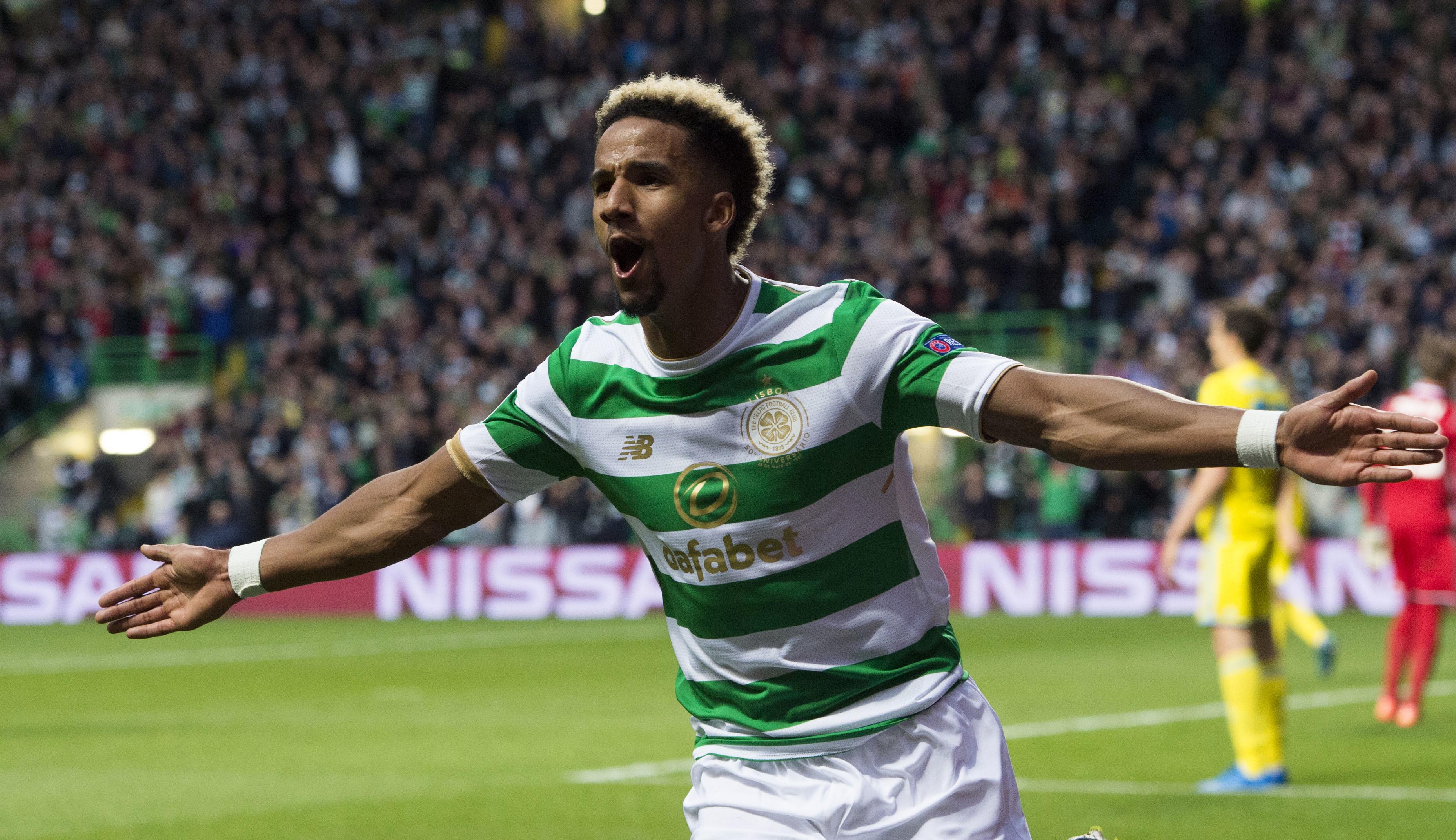 Celtic's Scott Sinclair celebrates his first goal (SNS Group / Craig Foy)