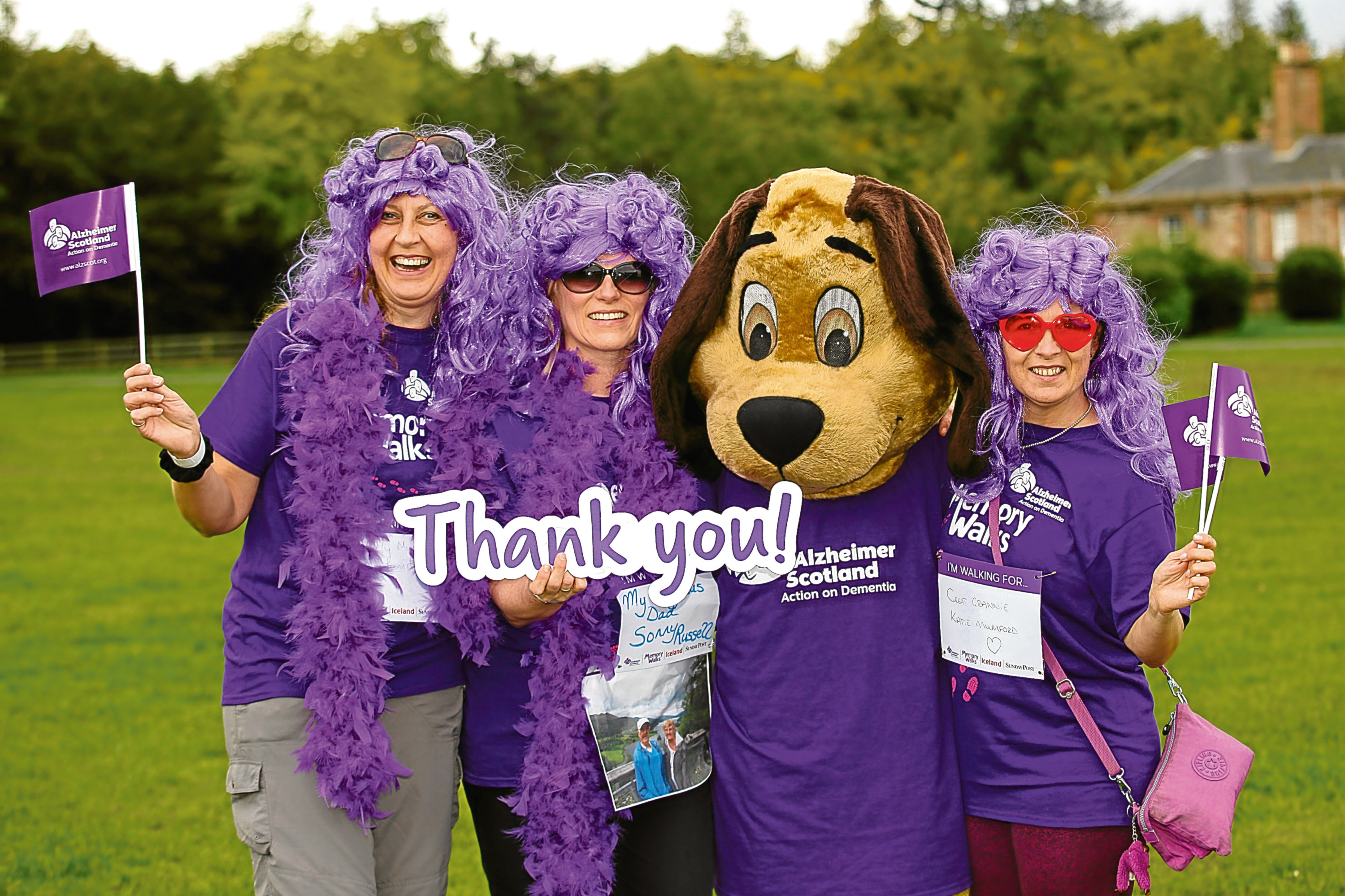 Alzheimers Scotland Memory Walk at Dalkeith Country Park 23/9/17. Marion Darling's group: l to r: Karen Low, Marion darling, Buddy the dog and Susanne McVicker