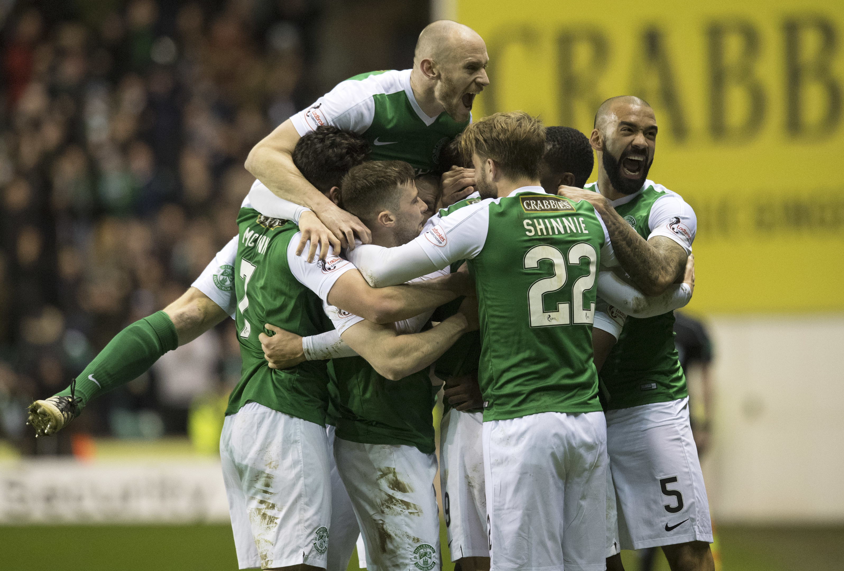 Hibernian and Hearts have signed up to take part in the Sleep in the Park (SNS)
