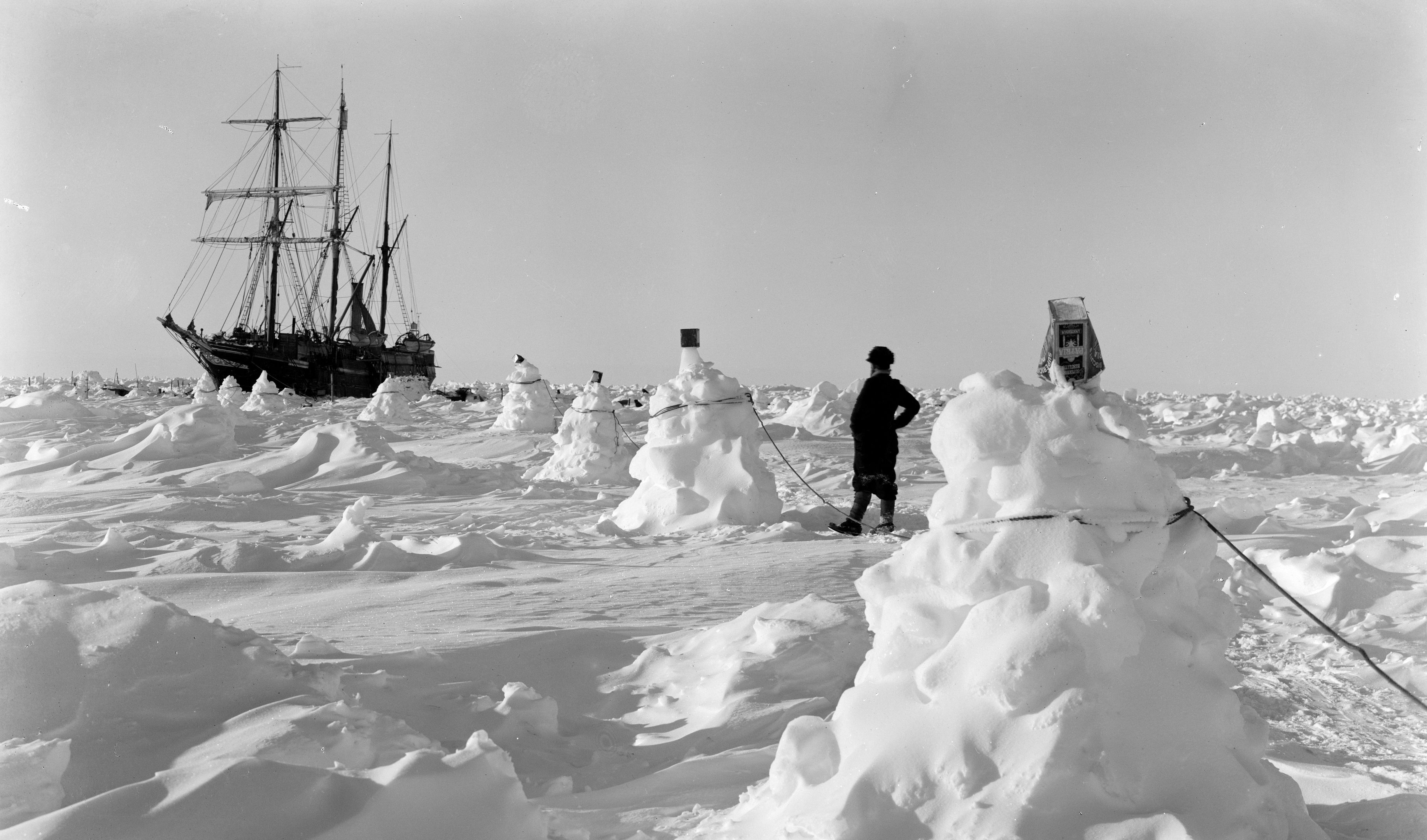 Frank Hurley's pictures of the Ernest Shackleton expedition, 1914