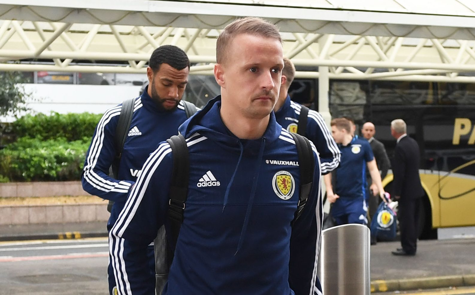 Scotland's Leigh Griffiths arrives at the airport for the trip to Slovenia (SNS Group)