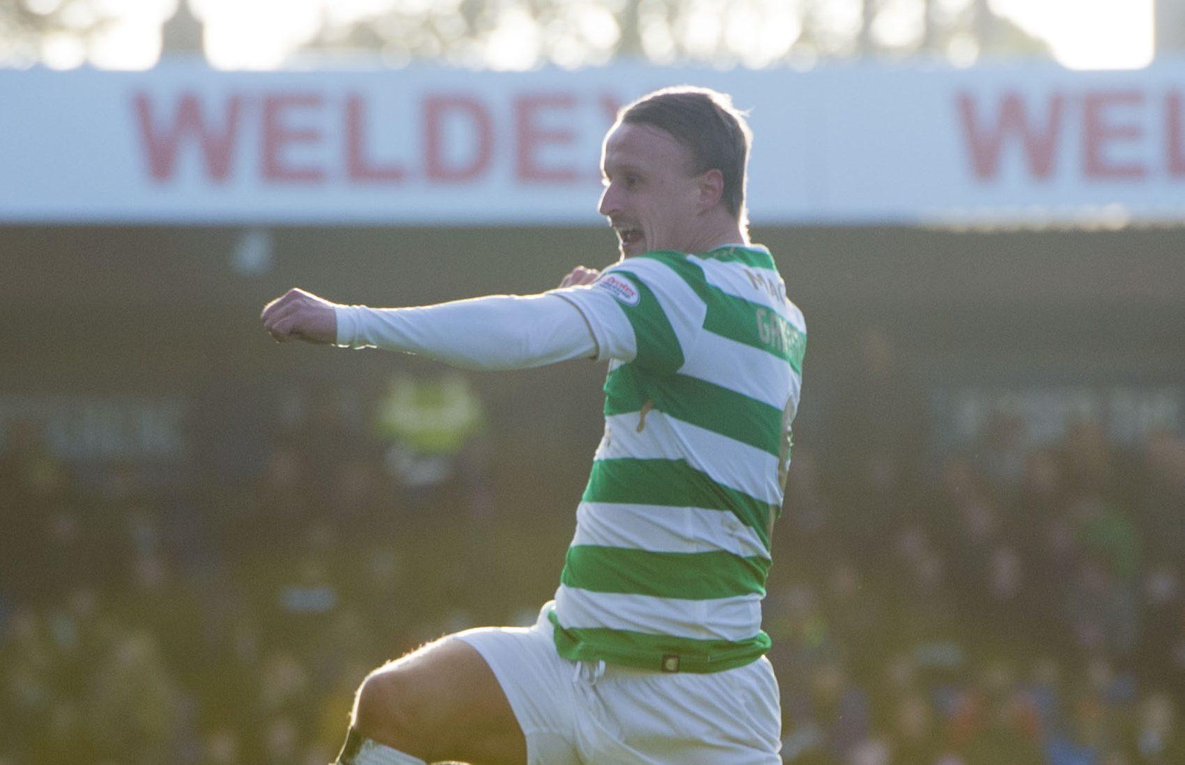 Celtic's Leigh Griffiths celebrates his goal (SNS)