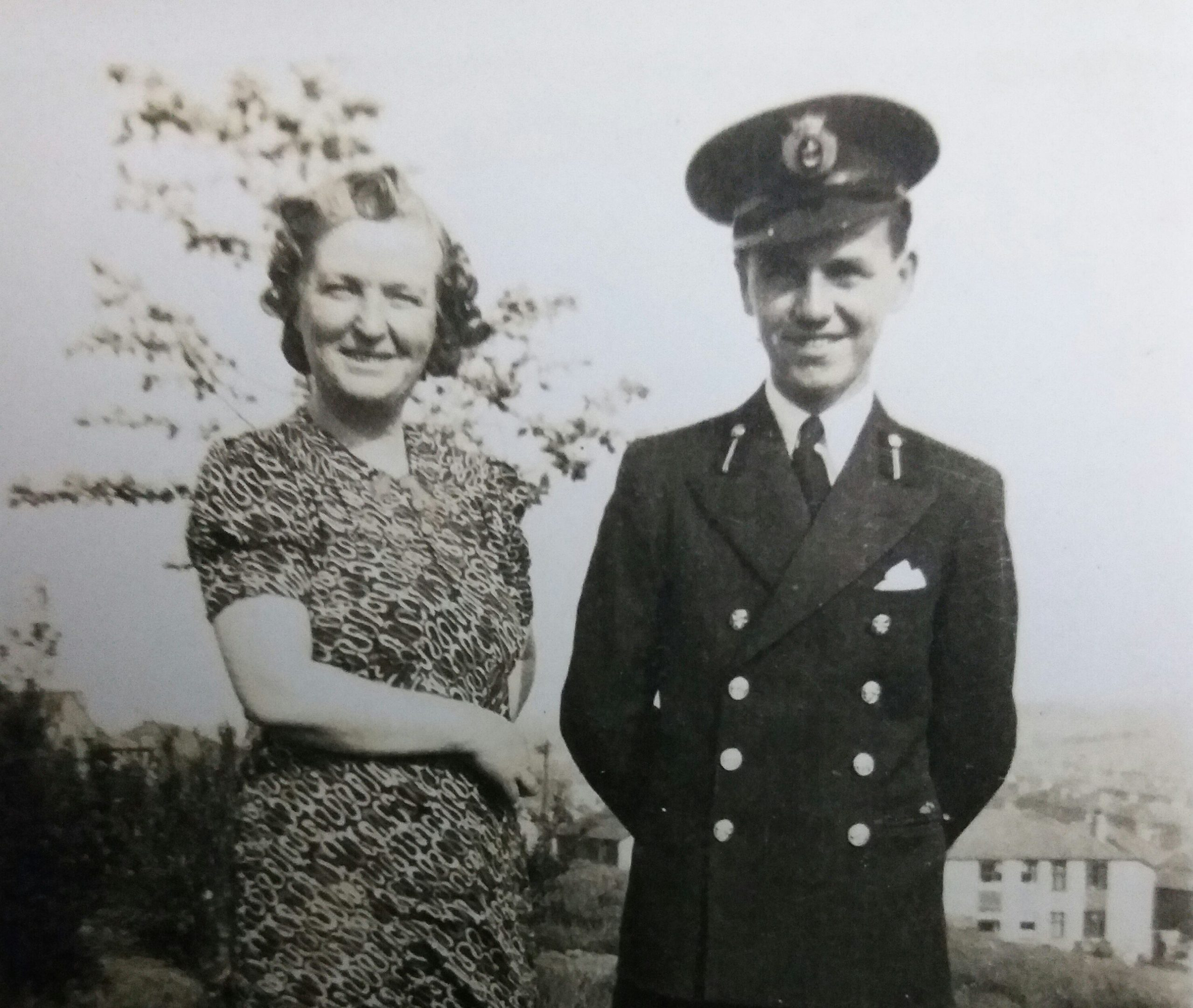 Leslie McDermott pictured with his mother, Norah, 1940.