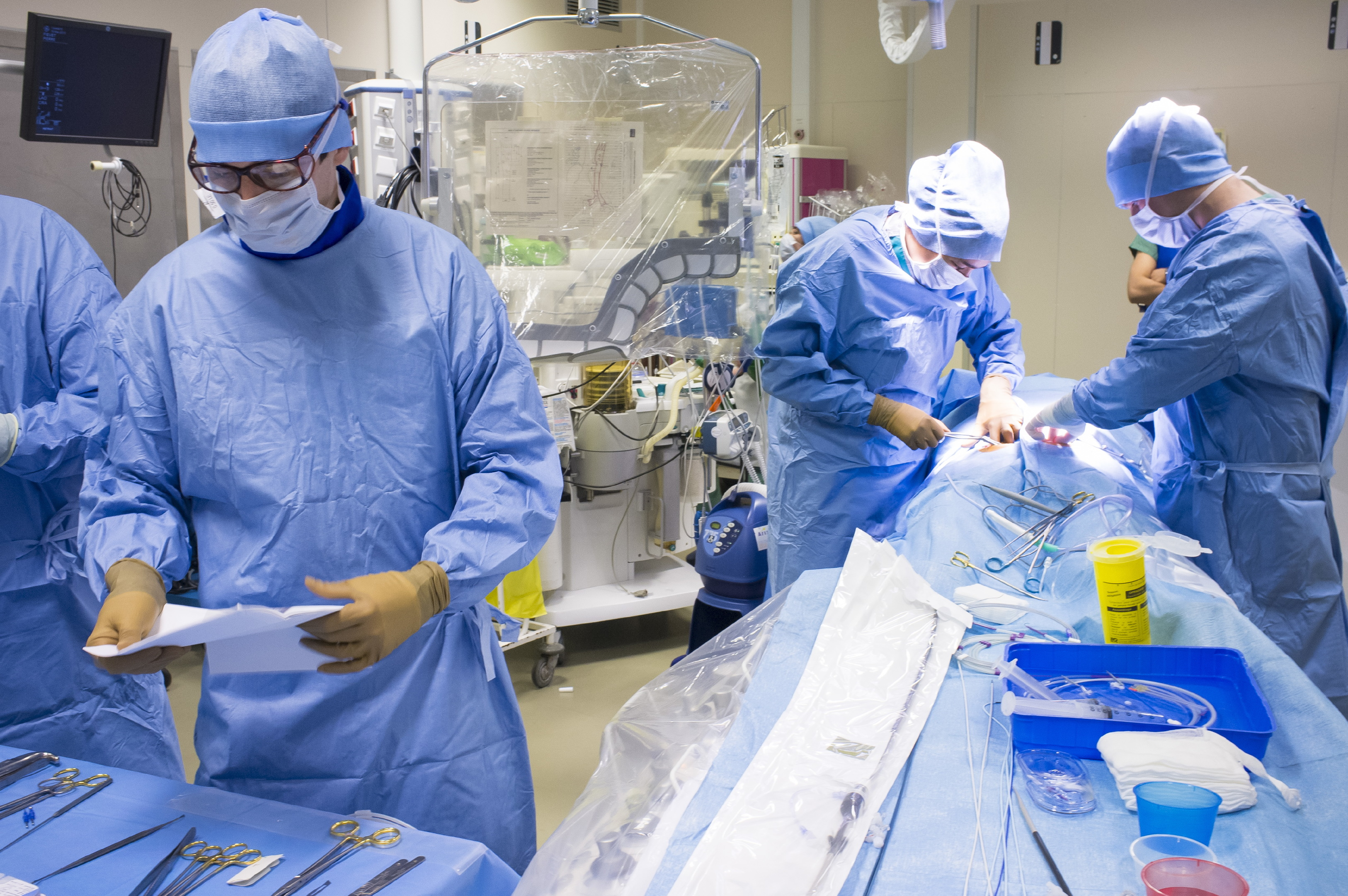Hybrid cardiac surgery (BSIP/UIG via Getty Images)