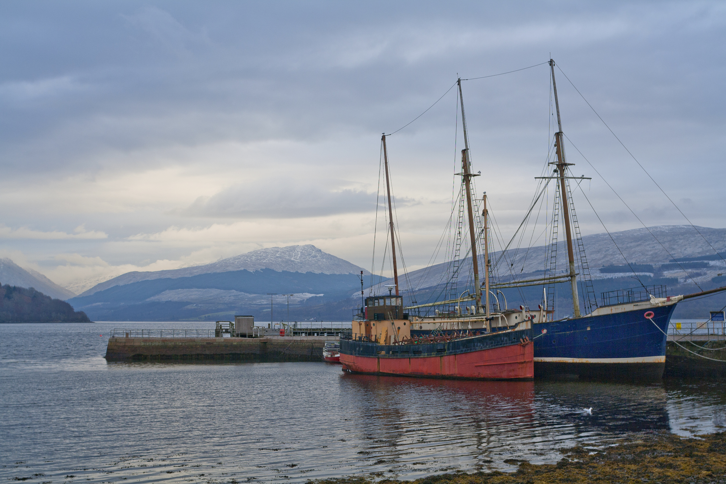 Fishing boats at Loch Fyne in Inveraray (Getty Images/iStock)