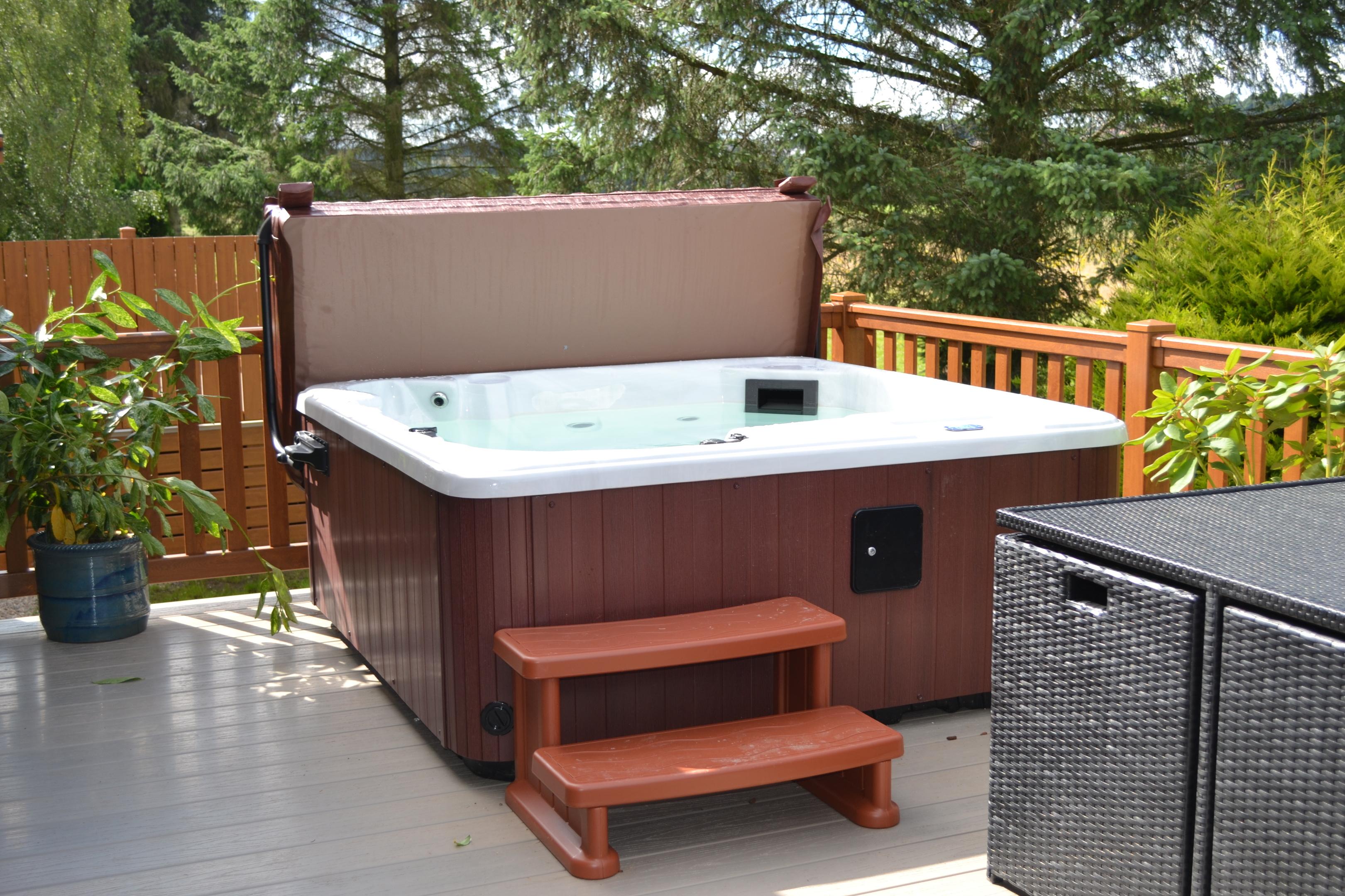 Deeside Hot Tub